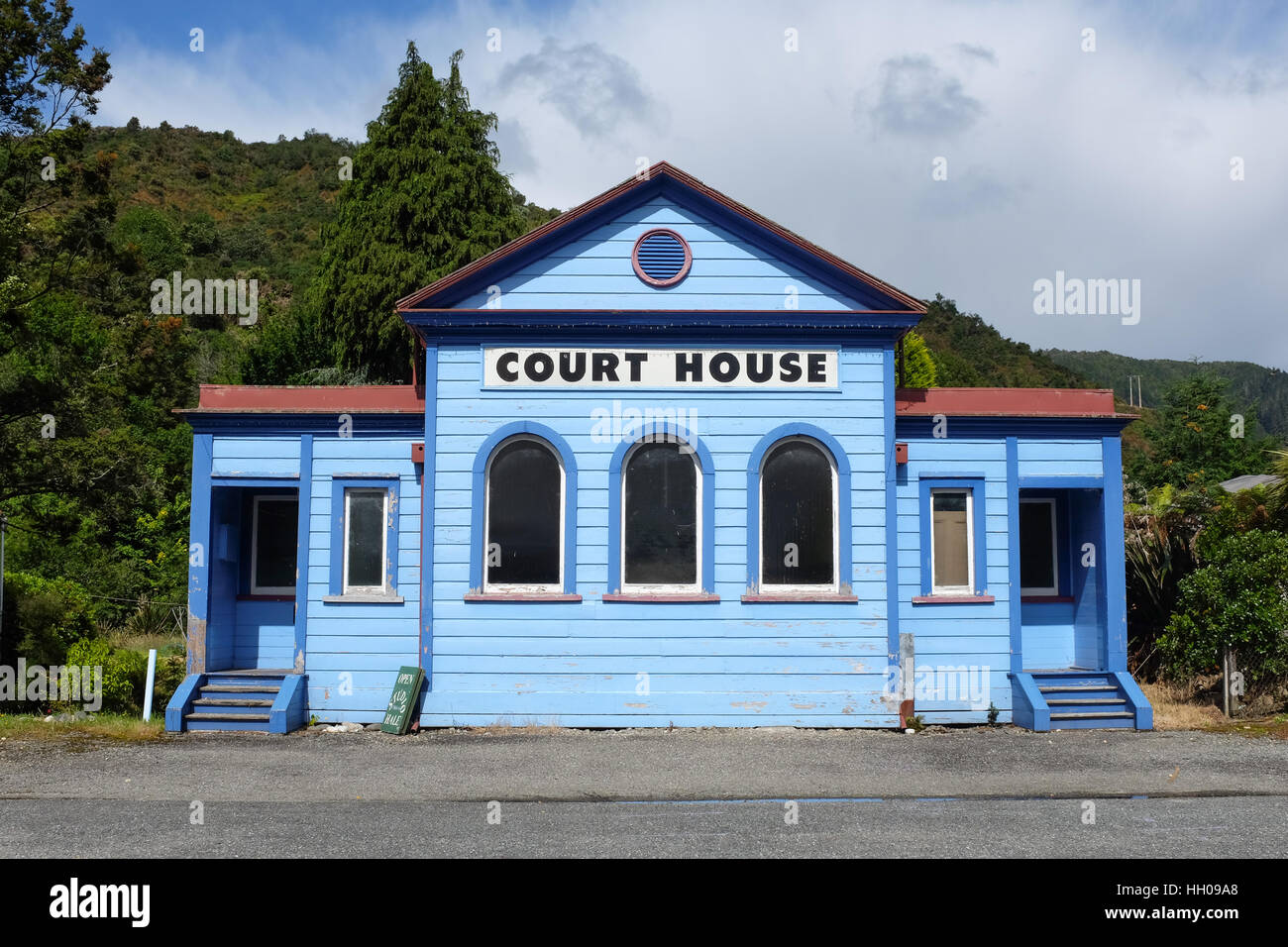 The former courthouse of Reefton in New Zealand. - Stock Image