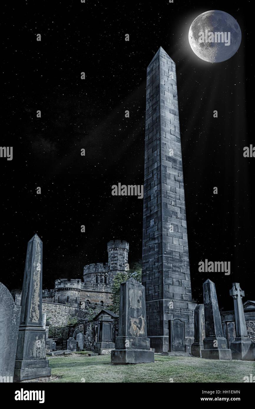 Old Calton Burial Ground Edinburgh & Rain - Martyrs Monument & Full Moon Stock Photo