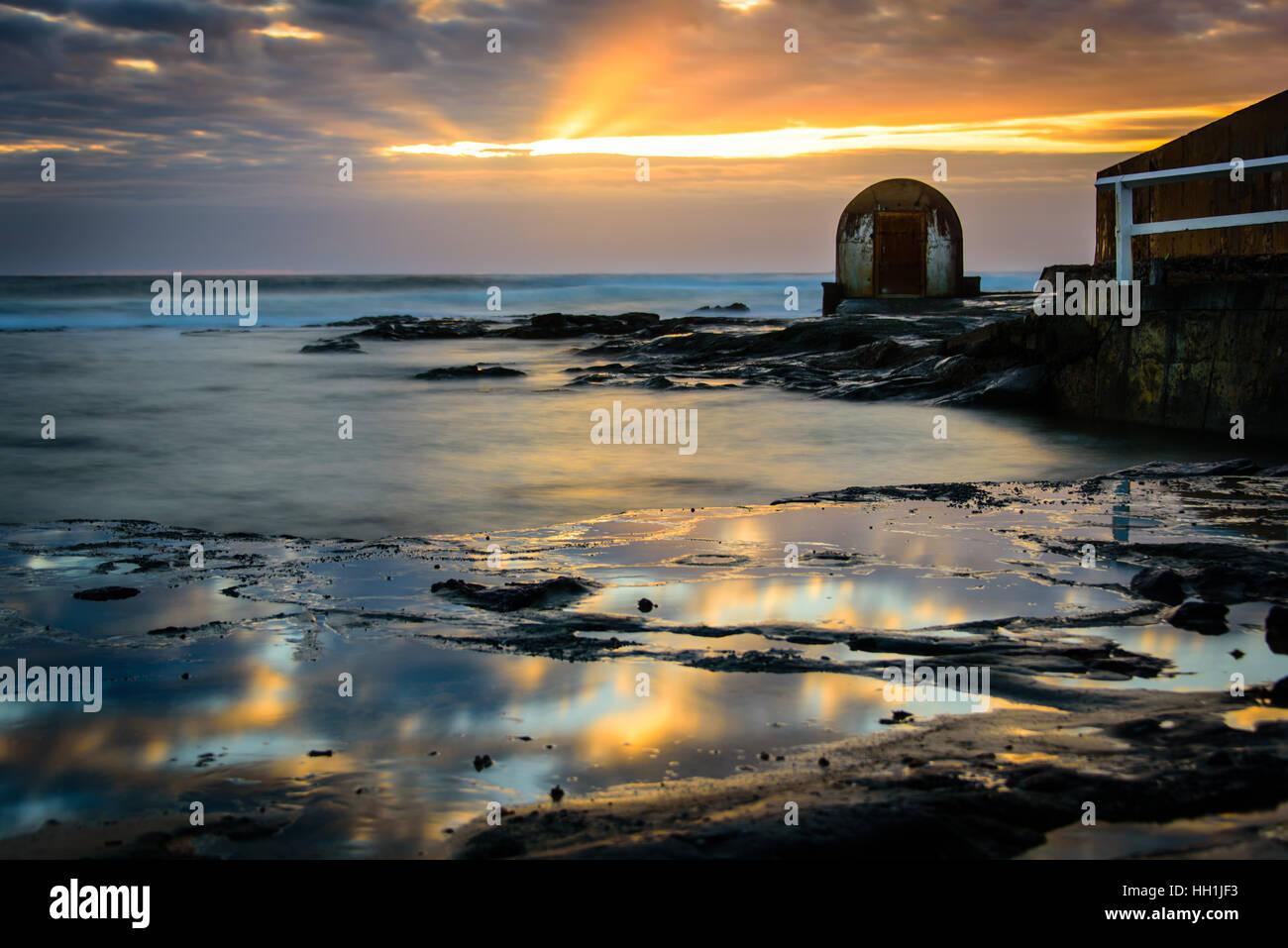 Nobby's Beach Newcastle at sunrise - Stock Image
