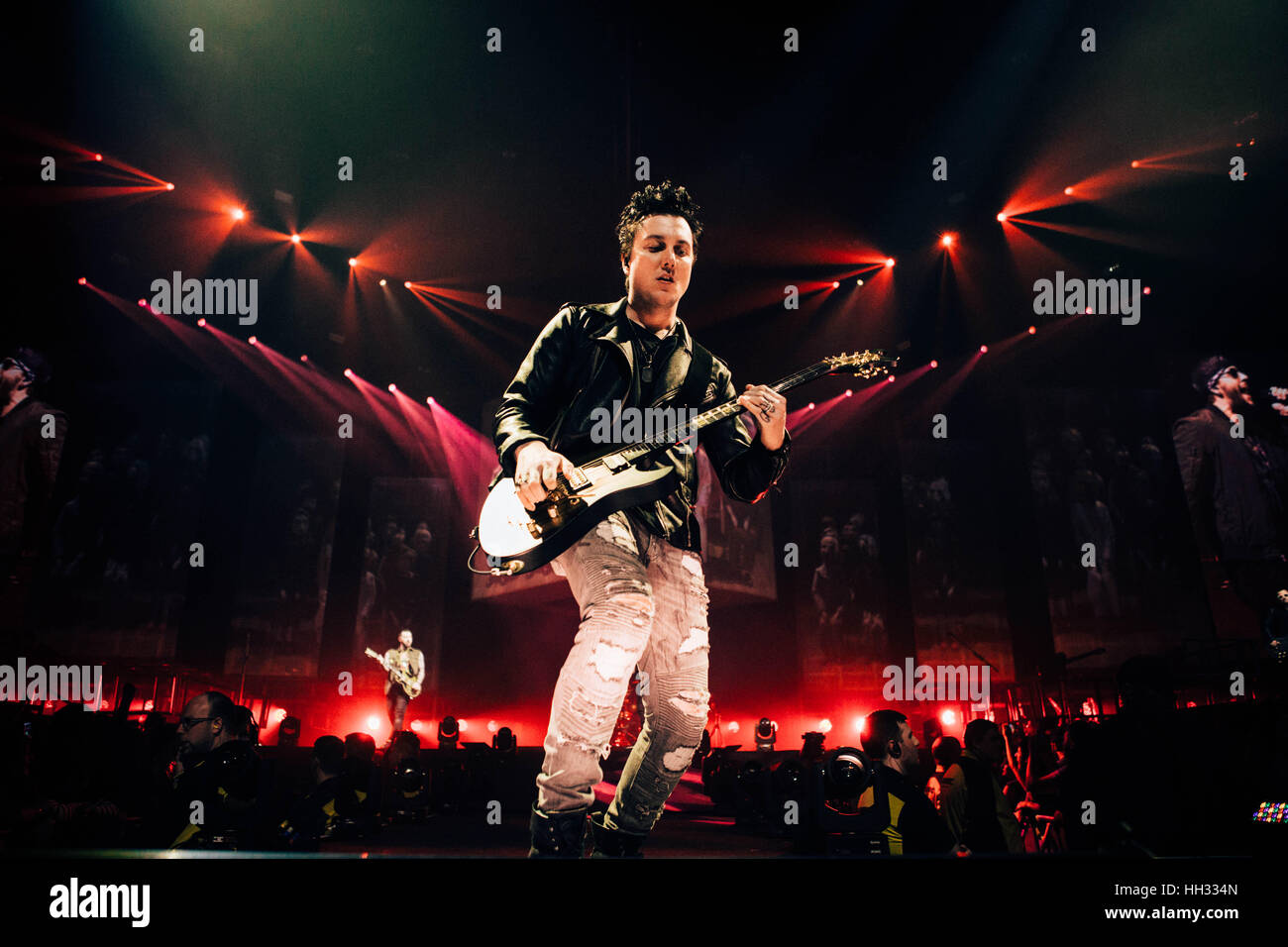 synyster gates stock photos synyster gates stock images alamy