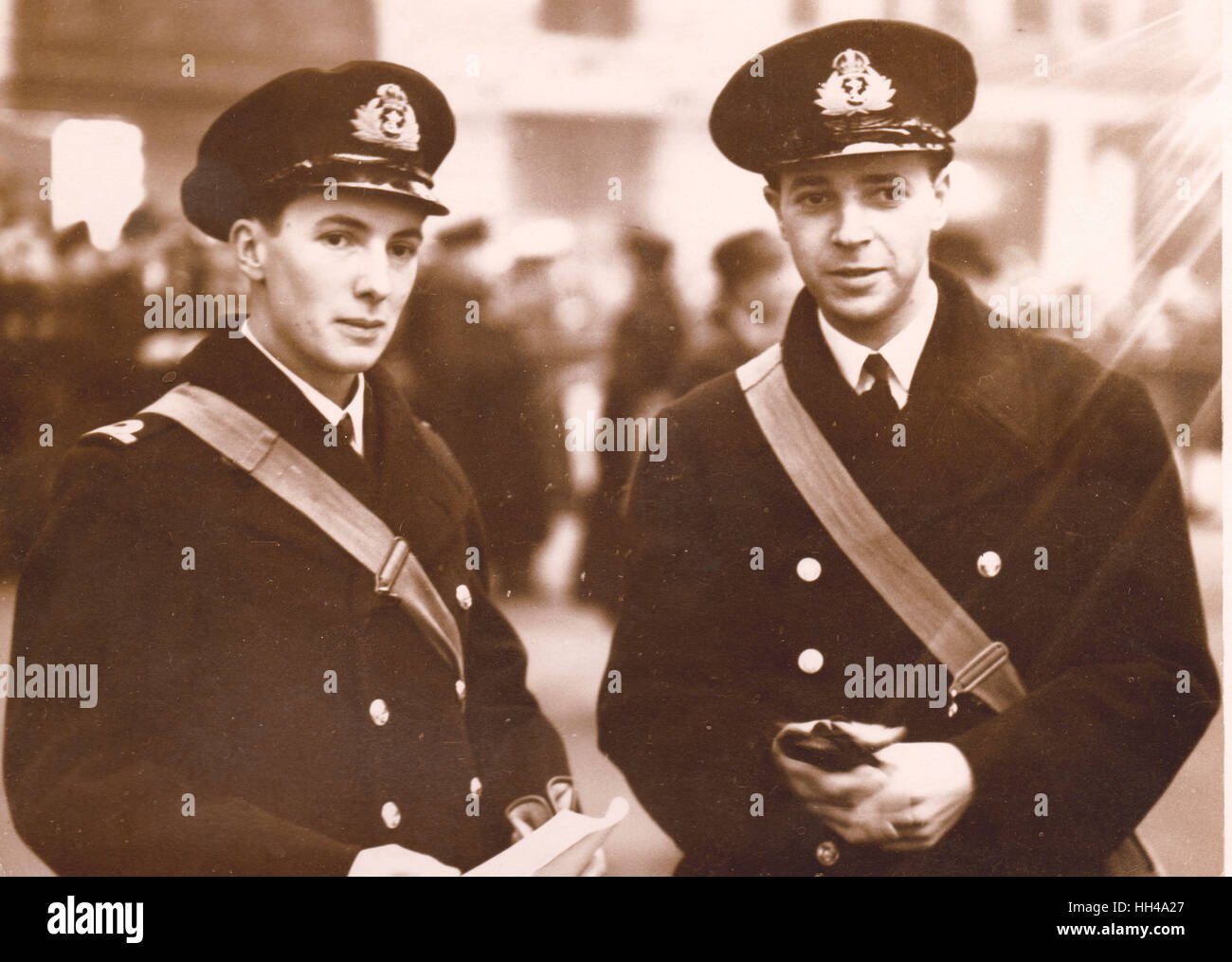 Midshipman Robert W Don of HMS Exeter and Archibald Cameron of HMS Exeter Received DSC for gallantry in the Graf Stock Photo