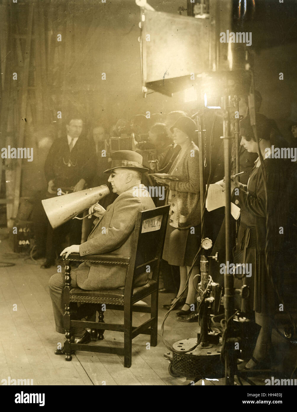 EDGAR WALLACE  English writer of popular thrillers, directing the  film 'Red Aces' at  Beaconsfield in 1929 - Stock Image