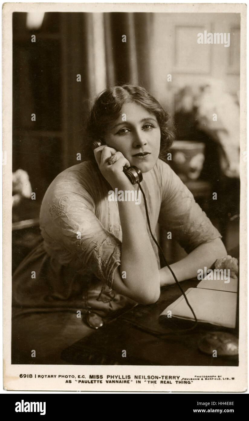 Actress Phyllis Neilson-Terry  uses the telephone on stage in  her role as Paulette Vannaire  in 'The Real Thing' - Stock Image