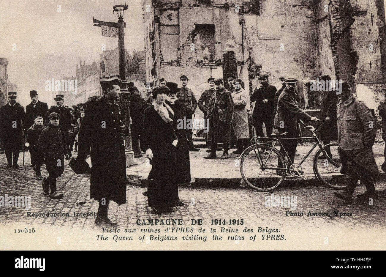 WW1 - Elisabeth of Bavaria (1876-1965), Queen of Belgium visiting the shattered ruins of Ypres. Despite her German background, she was a popular queen, perceived as eagerly supporting her adoptive country. Stock Photo