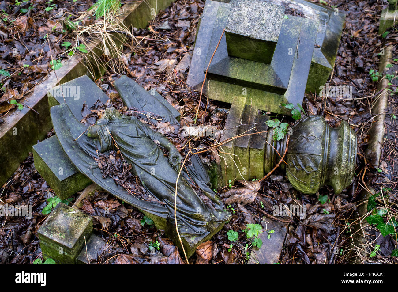 London, UK. 15th Jan, 2017. Tower Hamlets Cemetery Park is a historic cemetery located in Bow in the East End of Stock Photo