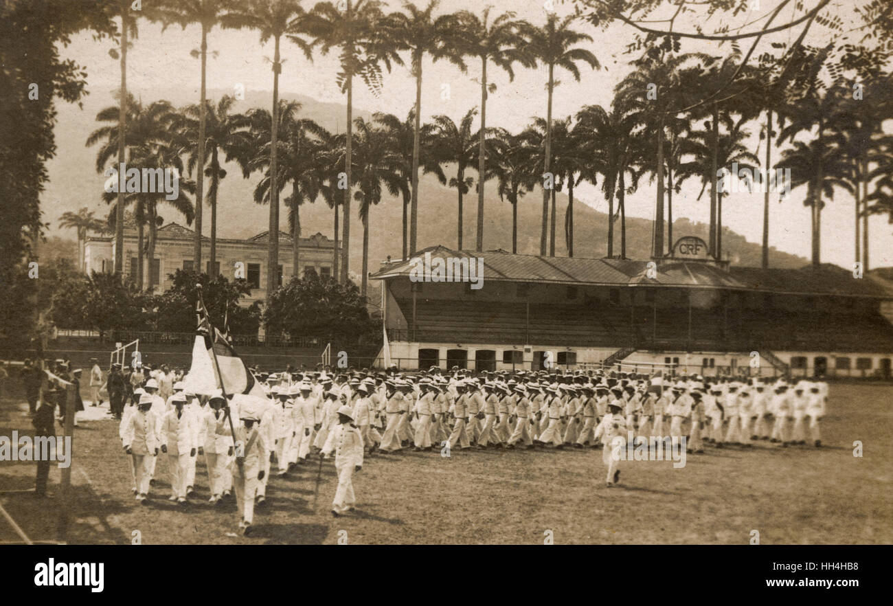 Royal Navy personnel from the warships HMS Hood and HMS Repulse at the CRF (Clube de Regatas do Flamengo) Stadium Stock Photo