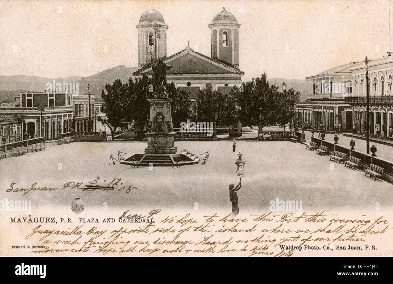 Plaza Colon (with statue of Christopher Columbus) and Cathedral (Our Lady of the Candelaria or Candlemas), Mayaguez, - Stock Image
