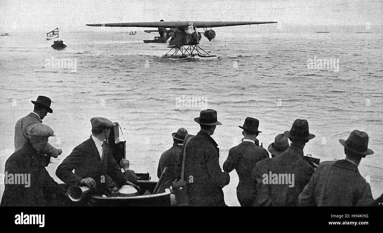 The Arrival of Amelia Earhart at Southampton on June 18th, 1928 following her flight across the Atlantic (becoming - Stock Image