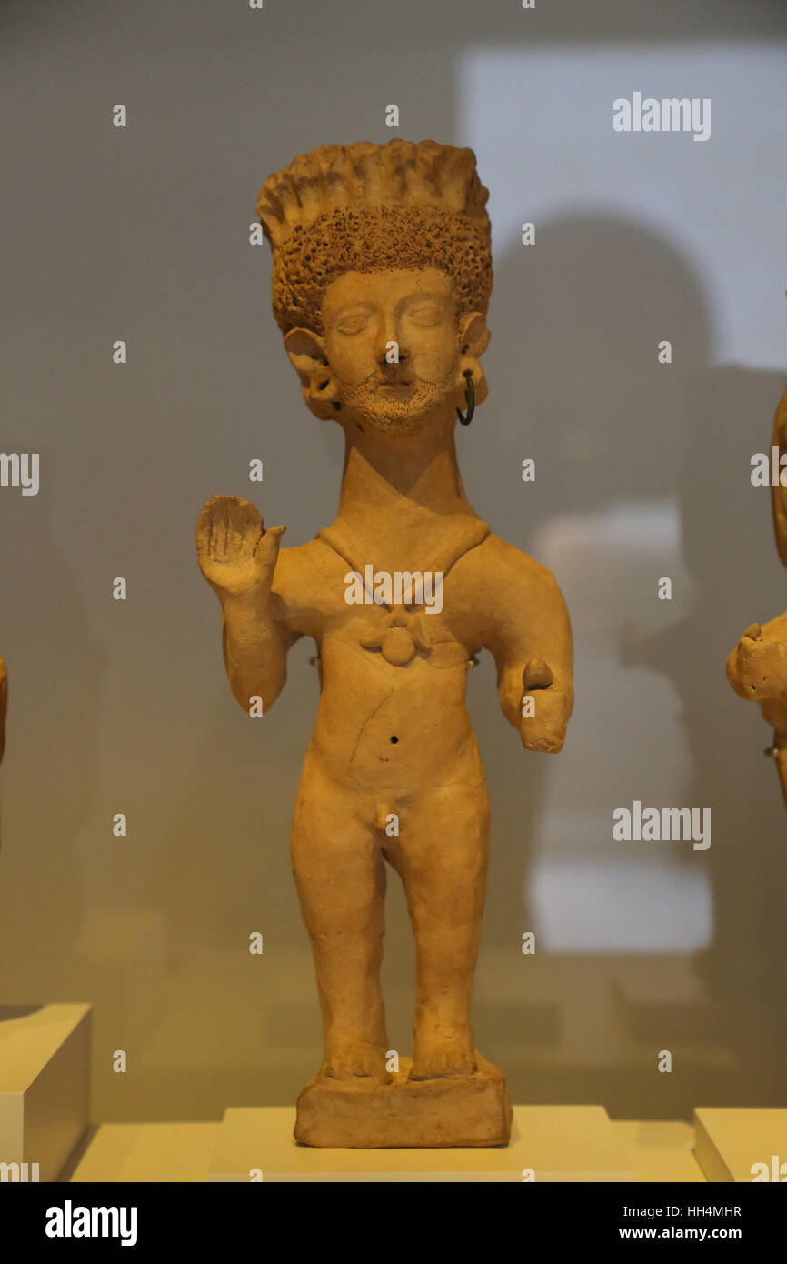 Figure. Deity, a cult figure or an orant. Clay. 4th-3rd century BC. Necropolis of Puig des Molins, Ibiza, Punic. - Stock Image