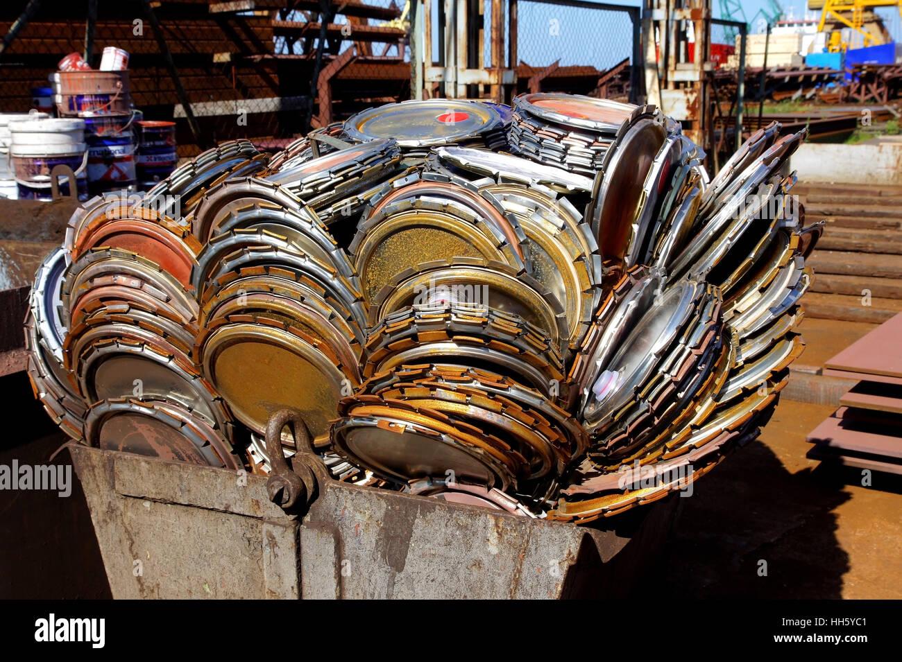 future, trash, scrap, heap, reuse, waste, squandering, slim, arid, sligth, Stock Photo