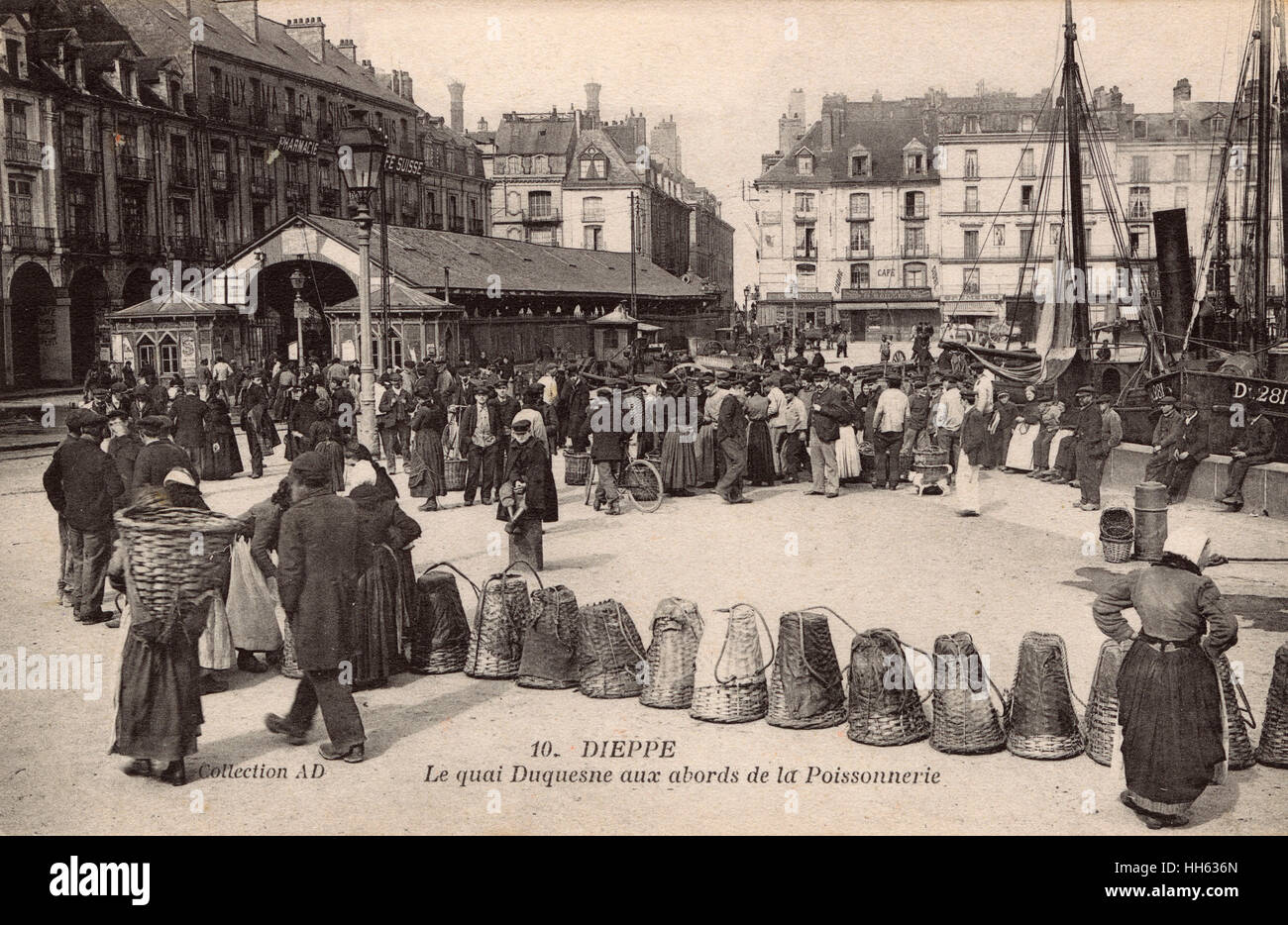 Dieppe - The Duquesne Quay - Fishmongers and Fishwives. - Stock Image