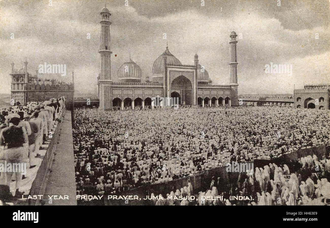 Friday prayers at the Jama Masjid mosque, Delhi, India. - Stock Image