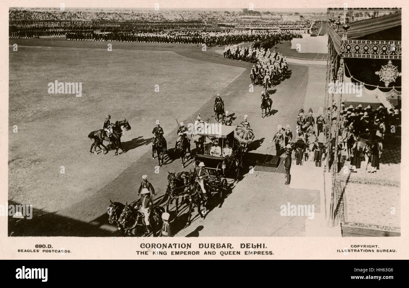King George V and Queen Mary in their horse-drawn carriage for the Coronation Durbar ceremony in Delhi, India, December - Stock Image