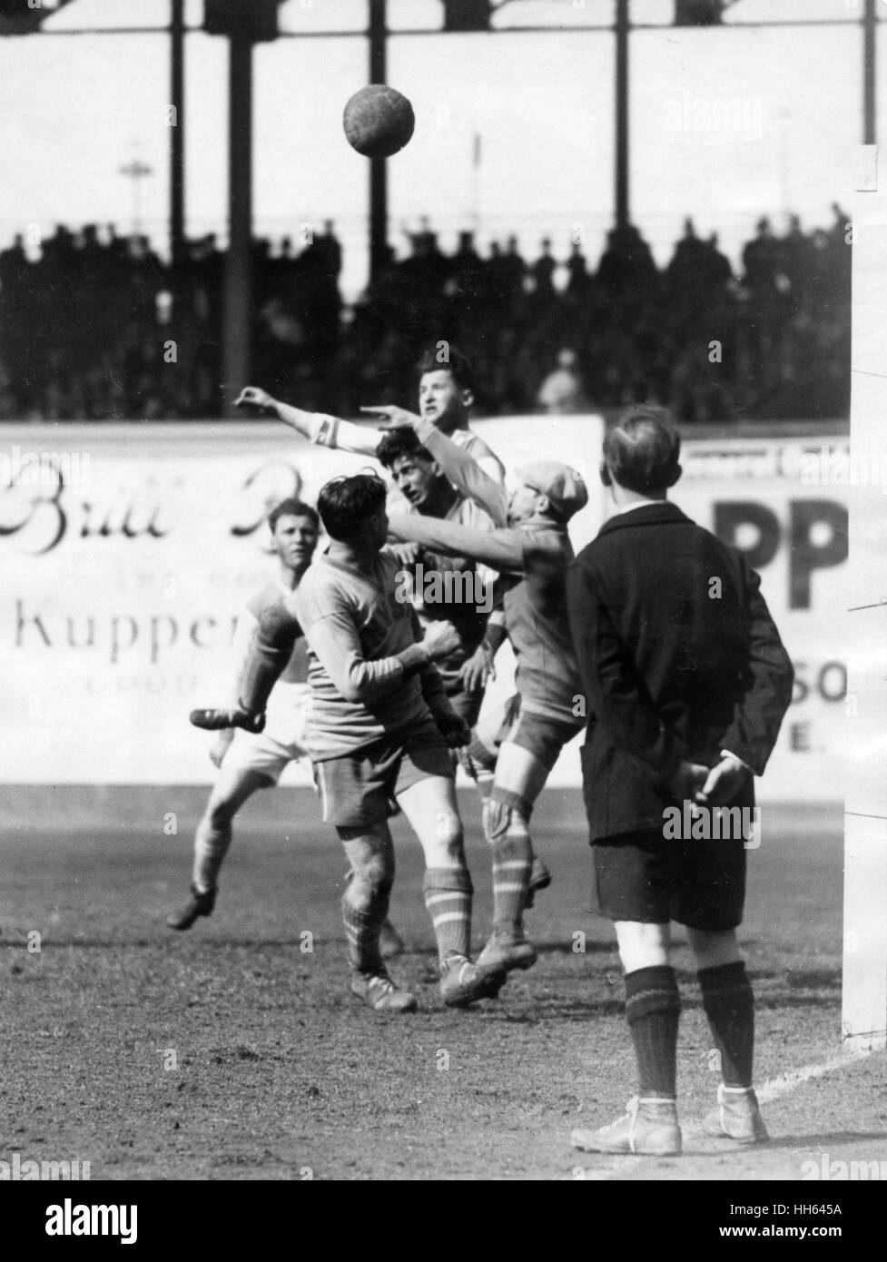 Football match, New York v Hakoah, at the Polo Grounds, New York City, USA, on 25 April 1926, in which Hakoah (from - Stock Image