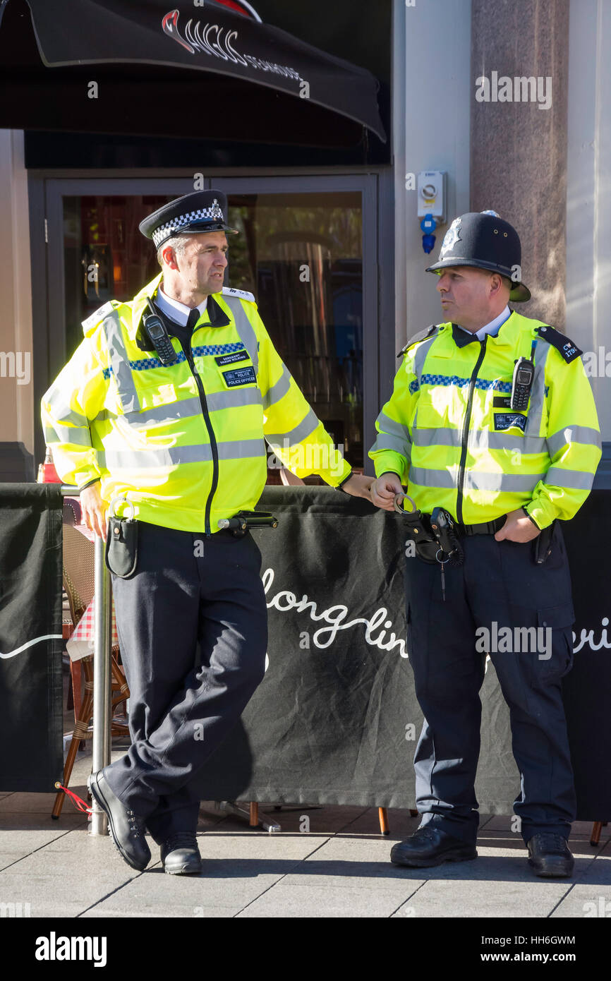 Metropolitan Police Officers in Leicester Square, City of Westminster, Greater London, England, United Kingdom - Stock Image