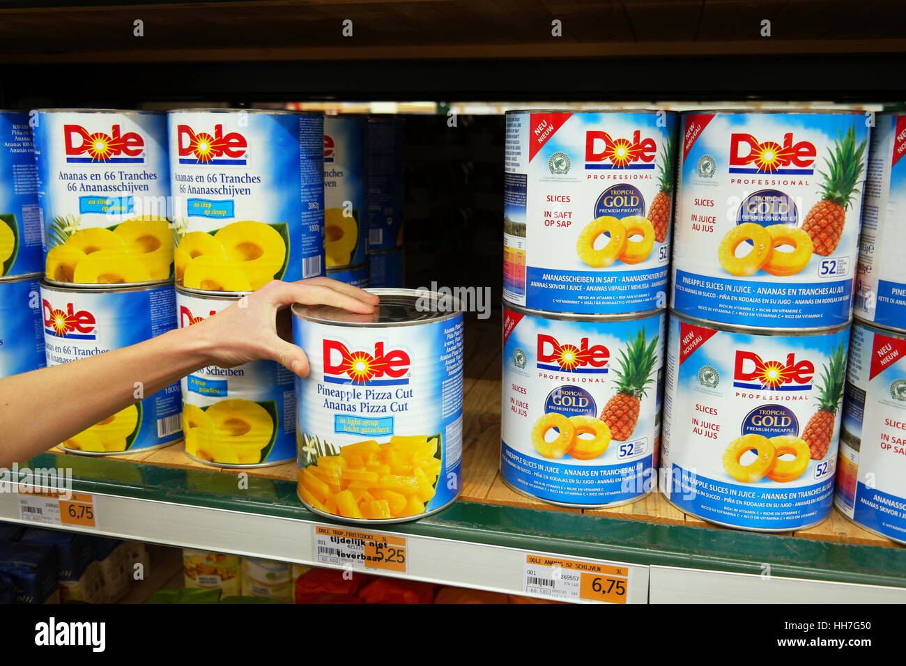 Dole Food, pieces of canned fruit in wholesale - Stock Image