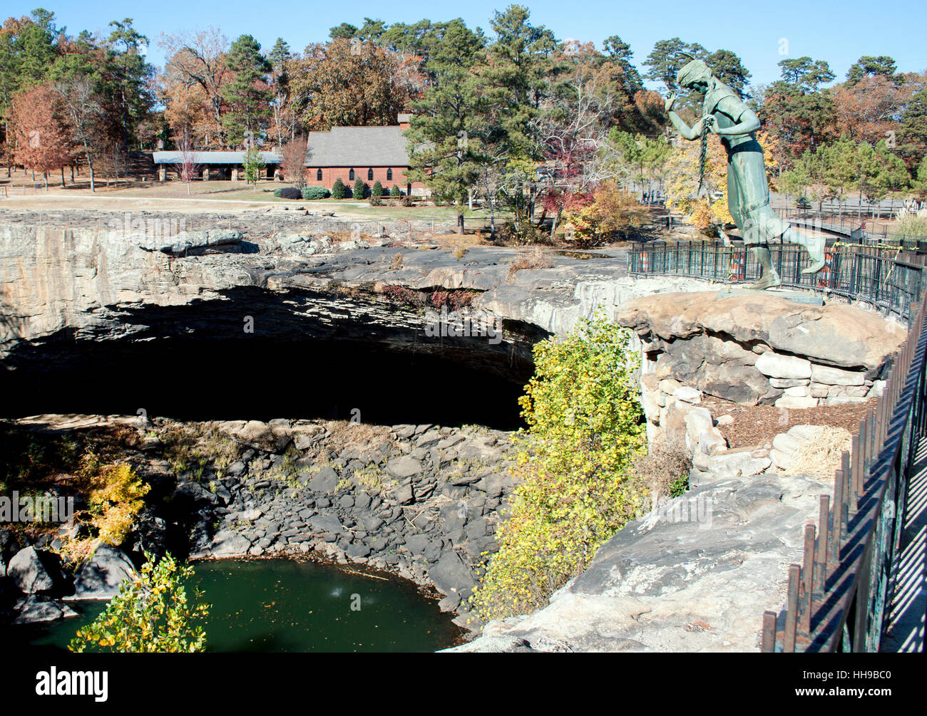 Noccalula Falls Doomed Indian Maiden statue in Gadsden Alabama Stock ...