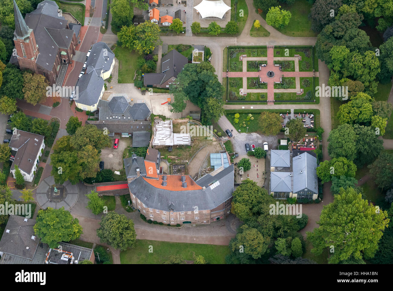Castle with Castle Park, Moers, Ruhr area, Lower Rhine, North Rhine-Westphalia, Germany, Europe, Aerial view, birds - Stock Image