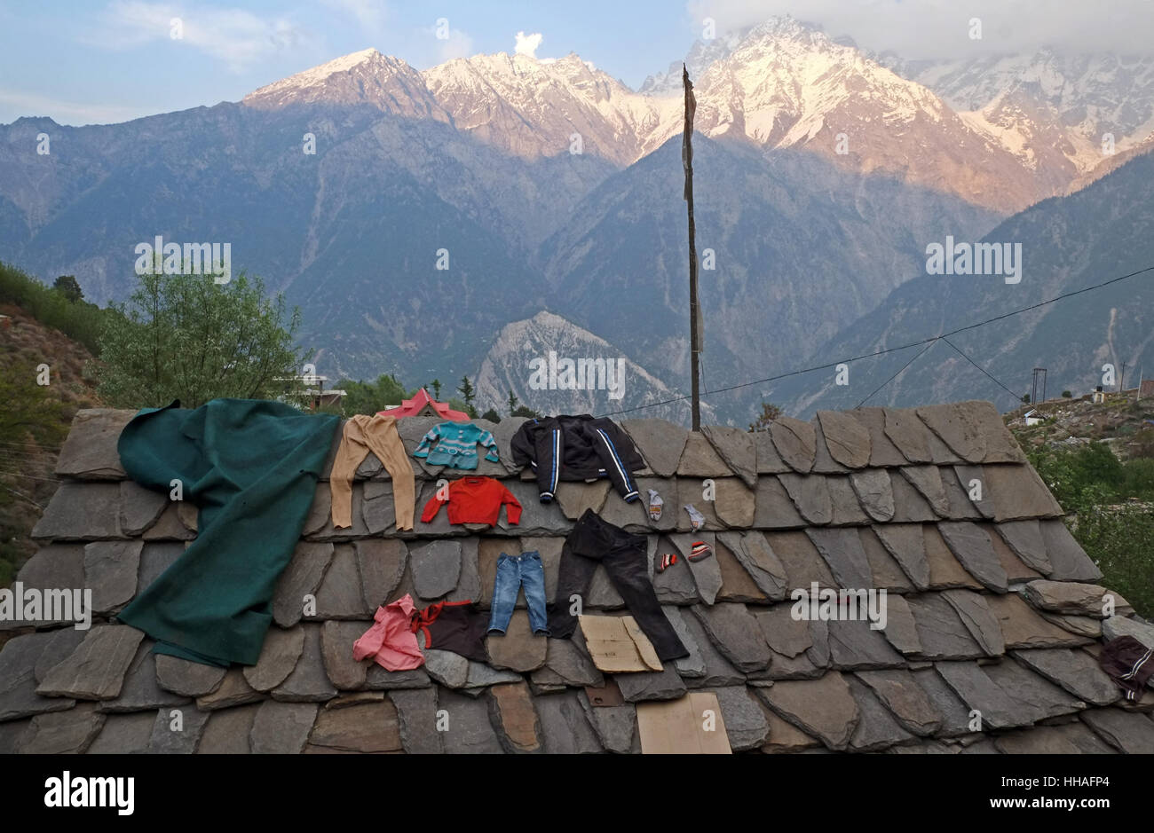 Washing drying on roof in Kalpa, Himachal Pradesh. - Stock Image