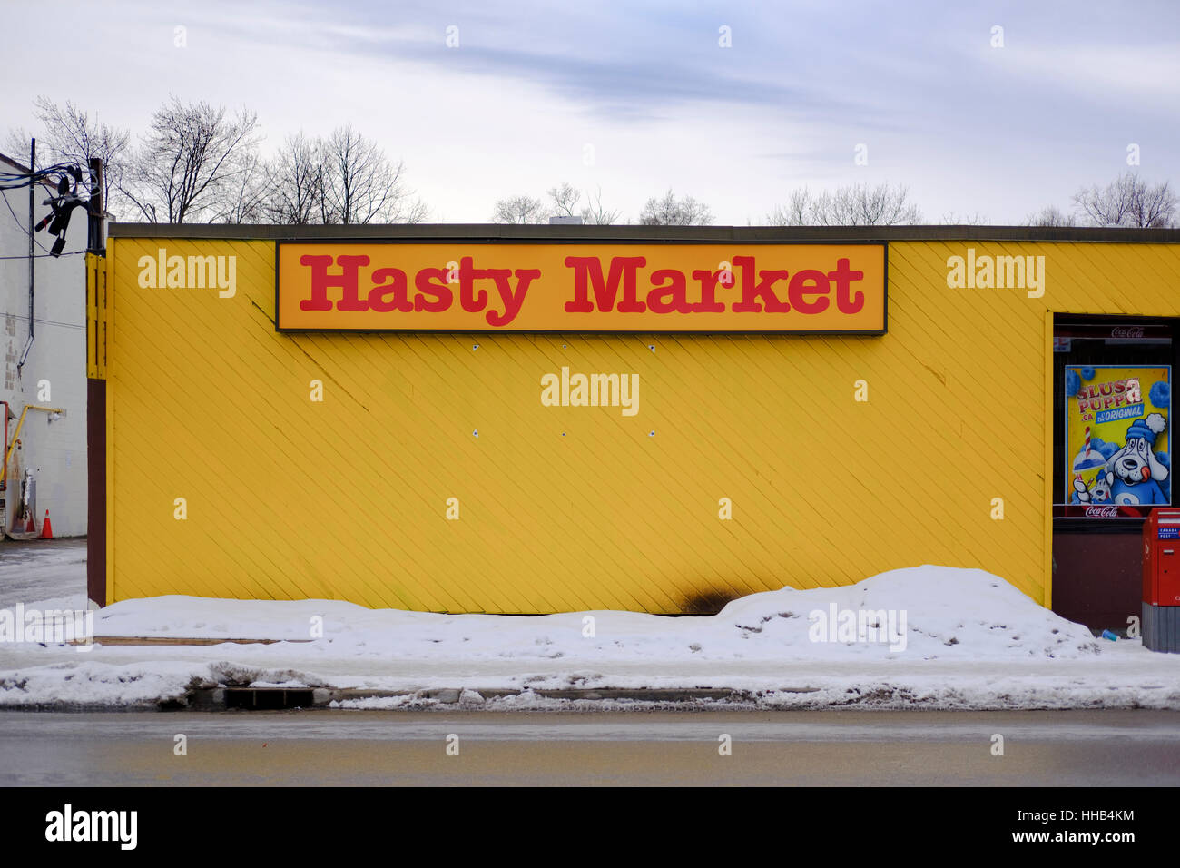 Exterior view of Hasty Market convenience store in London, Ontario, ON, Canada. - Stock Image