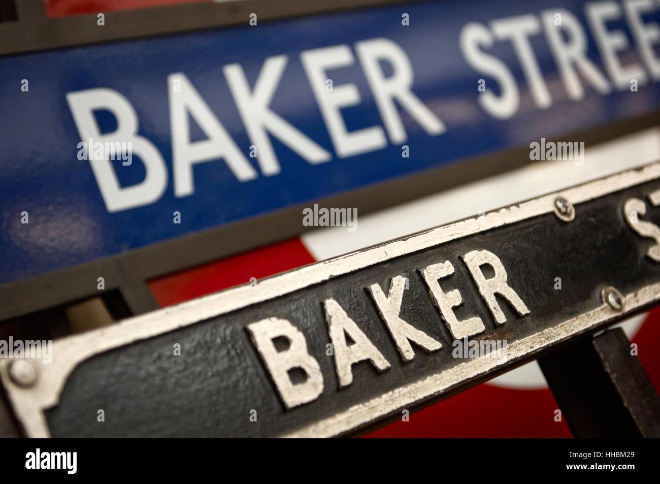 station, metro, europe, london, england, tube, baker, sign, underground, seat, - Stock Image