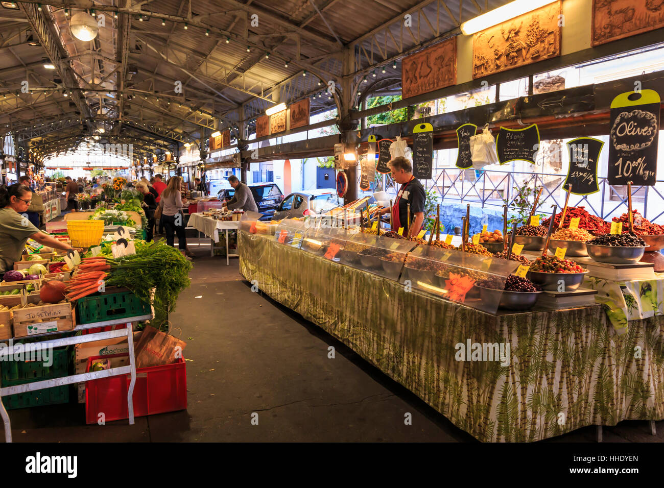 Marche Provencal, morning market, Vieil Antibes, French Riviera, Cote d'Azur, Provence, France - Stock Image