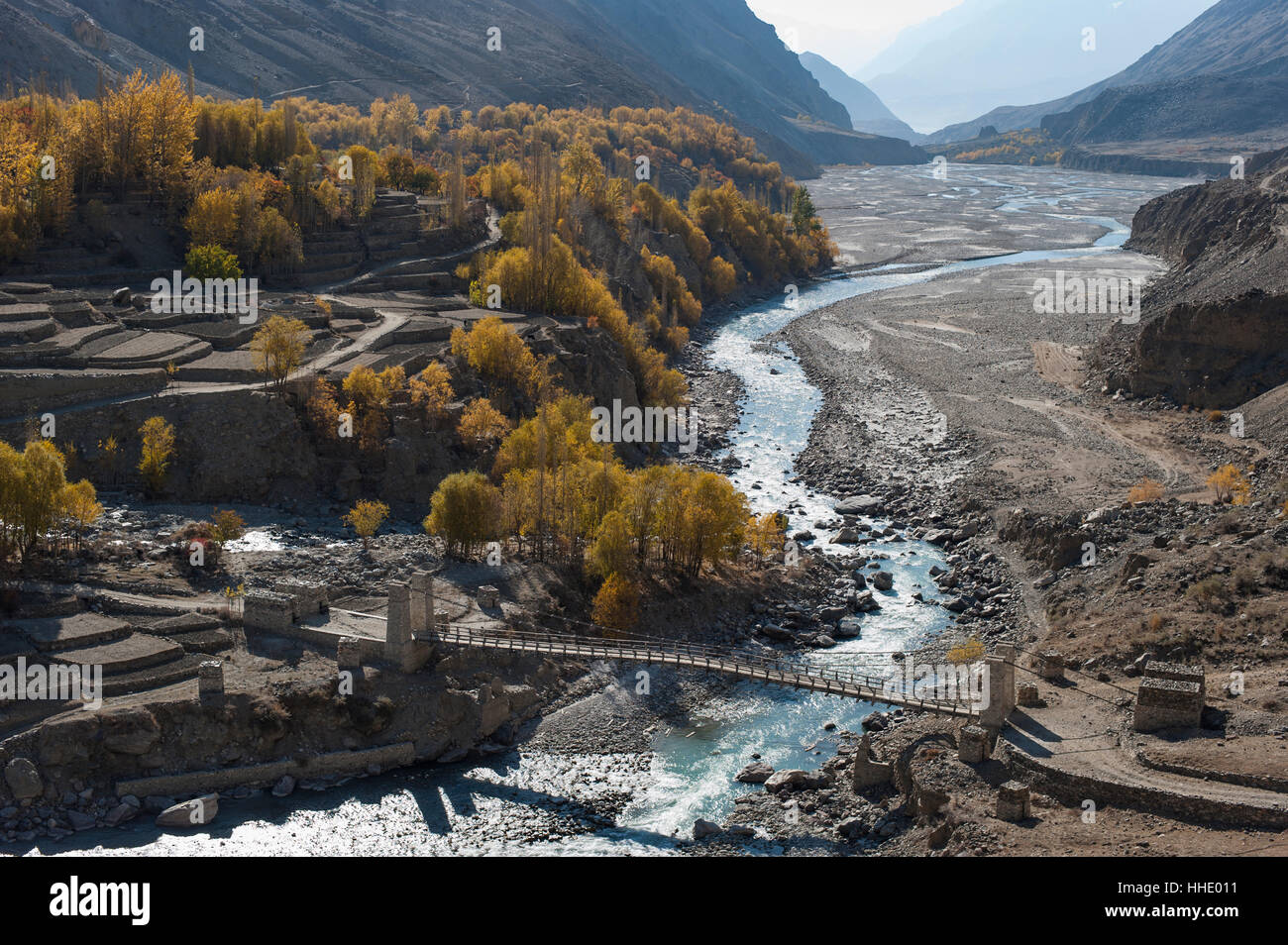Hushe village beside a meandering river, Gilgit-Baltistan, northern Pakistan - Stock Image