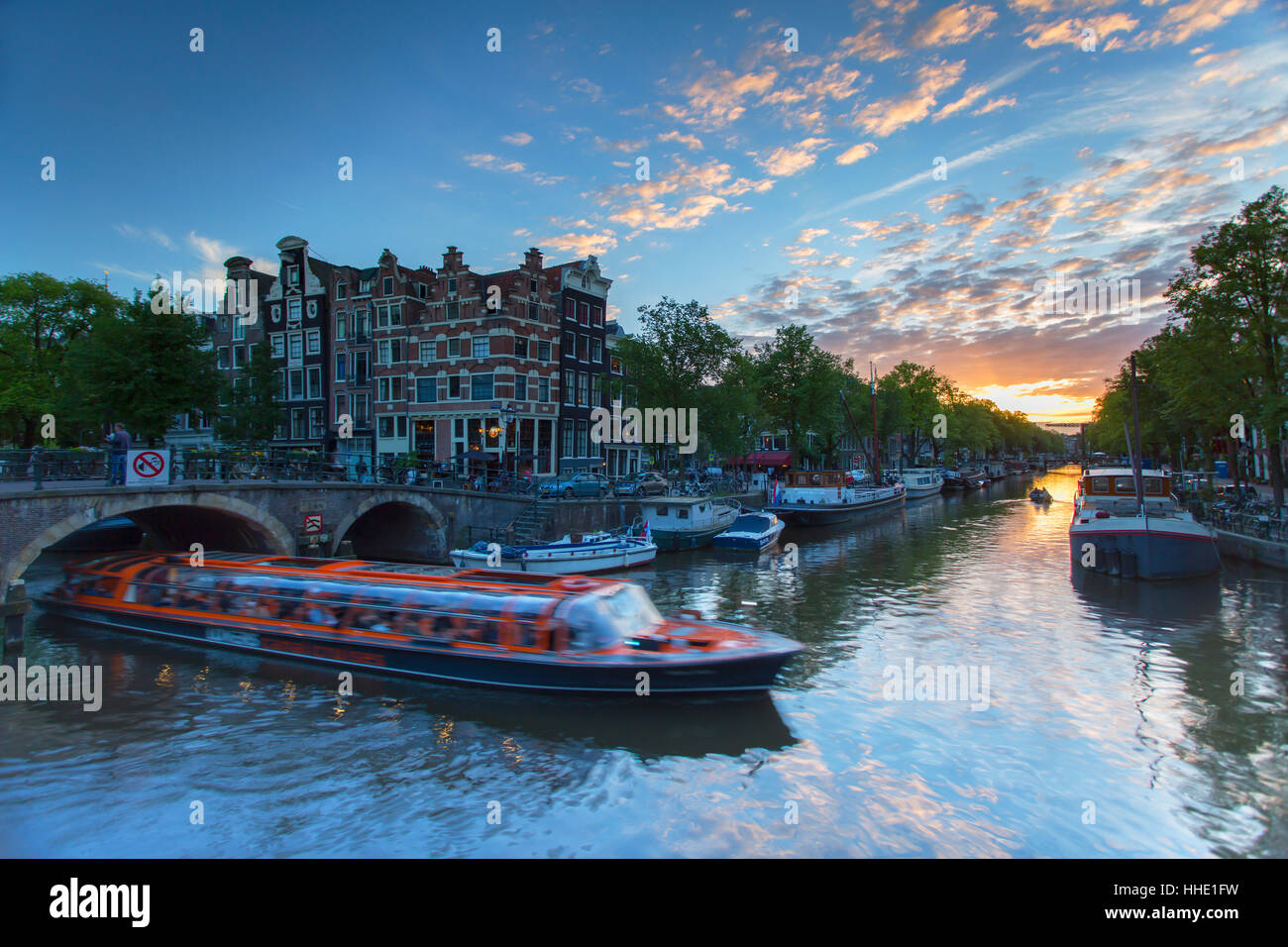 Prinsengracht and Brouwersgracht canals at sunset, Amsterdam, Netherlands - Stock Image