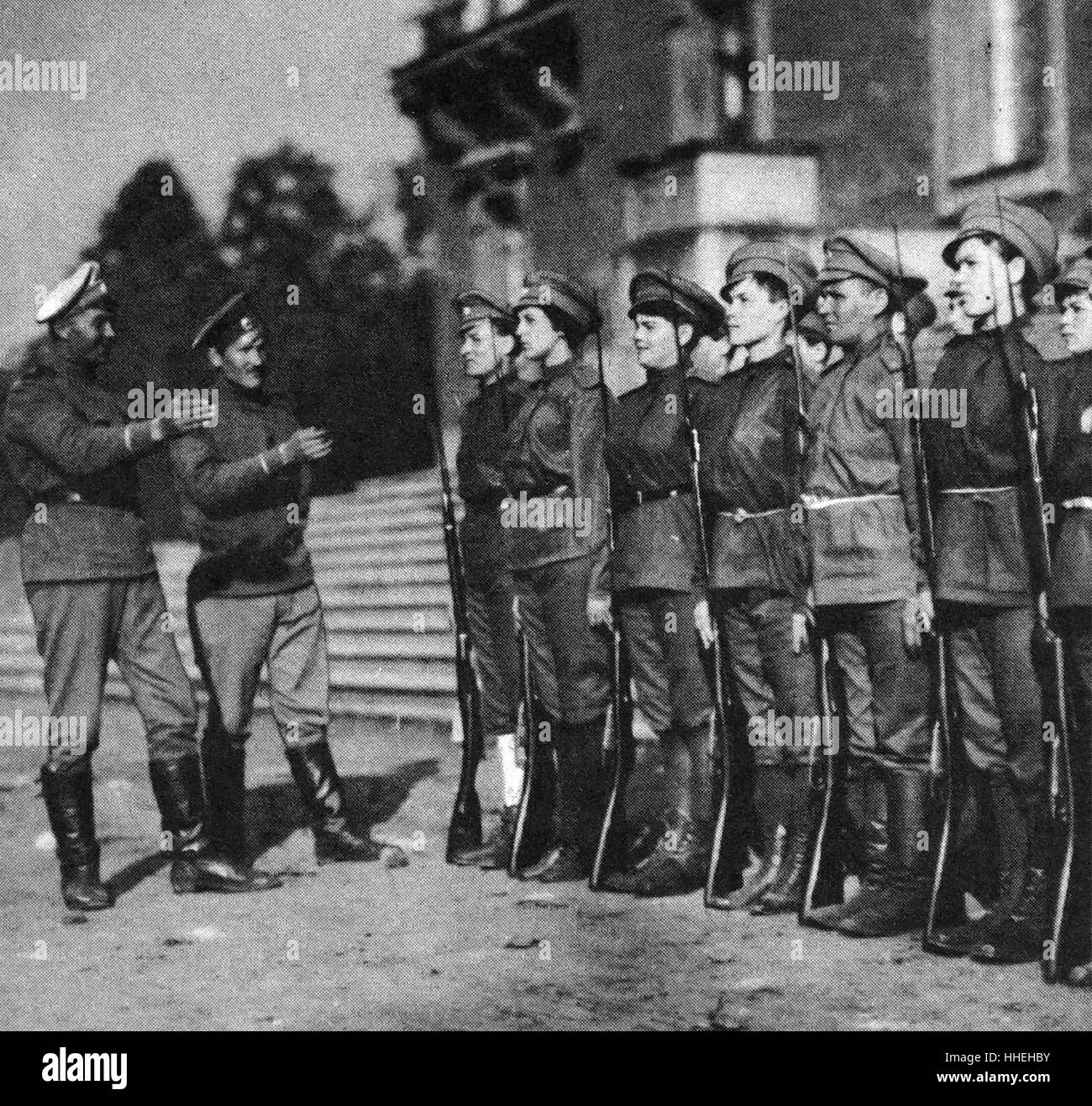 Photograph of the First Women's Battalion of Death during the Russian Revolution. Dated 20th Century - Stock Image