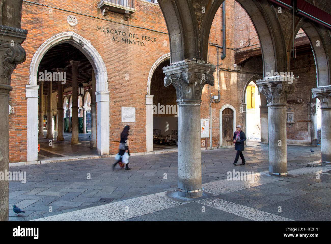 Mercato del Pesce - historic Rialto Fish Market, Venice, Veneto, Italy - Stock Image
