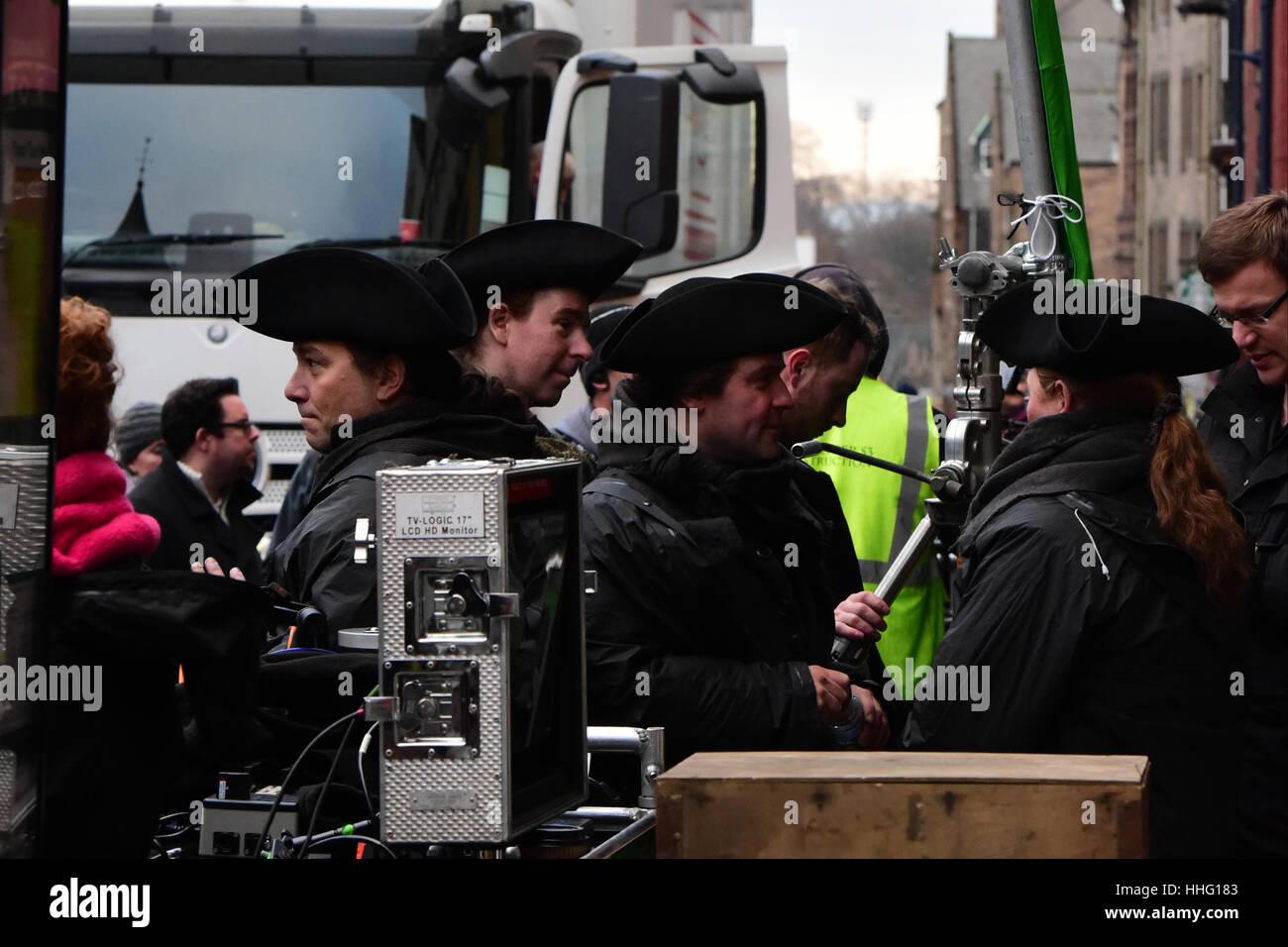 Edinburgh, Scotland, UK. 19th Jan, 2017.  Cast of the 'Outlander' TV series on location in Edinburgh's - Stock Image