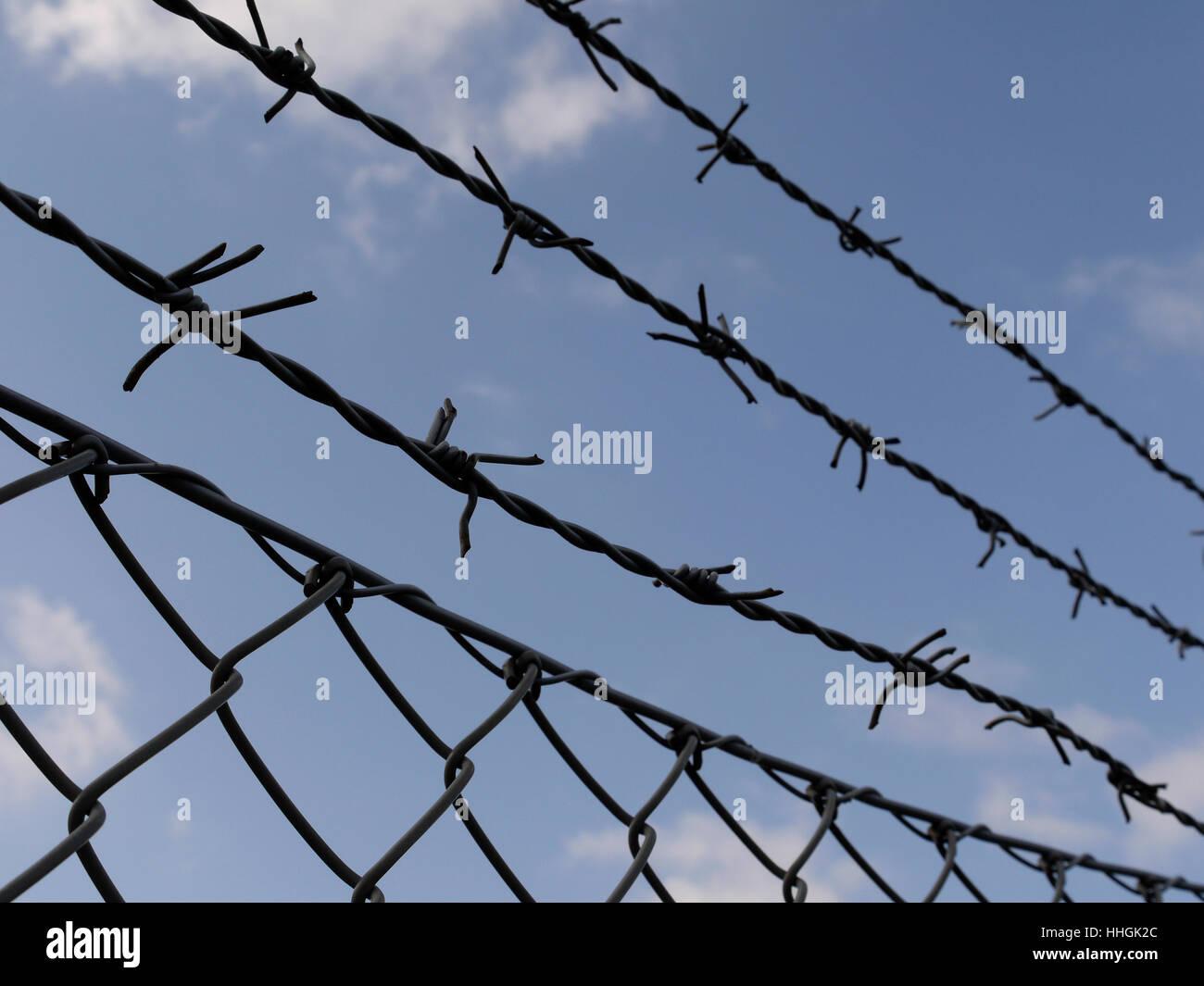 Barbed Wire Locks - WIRE Center •