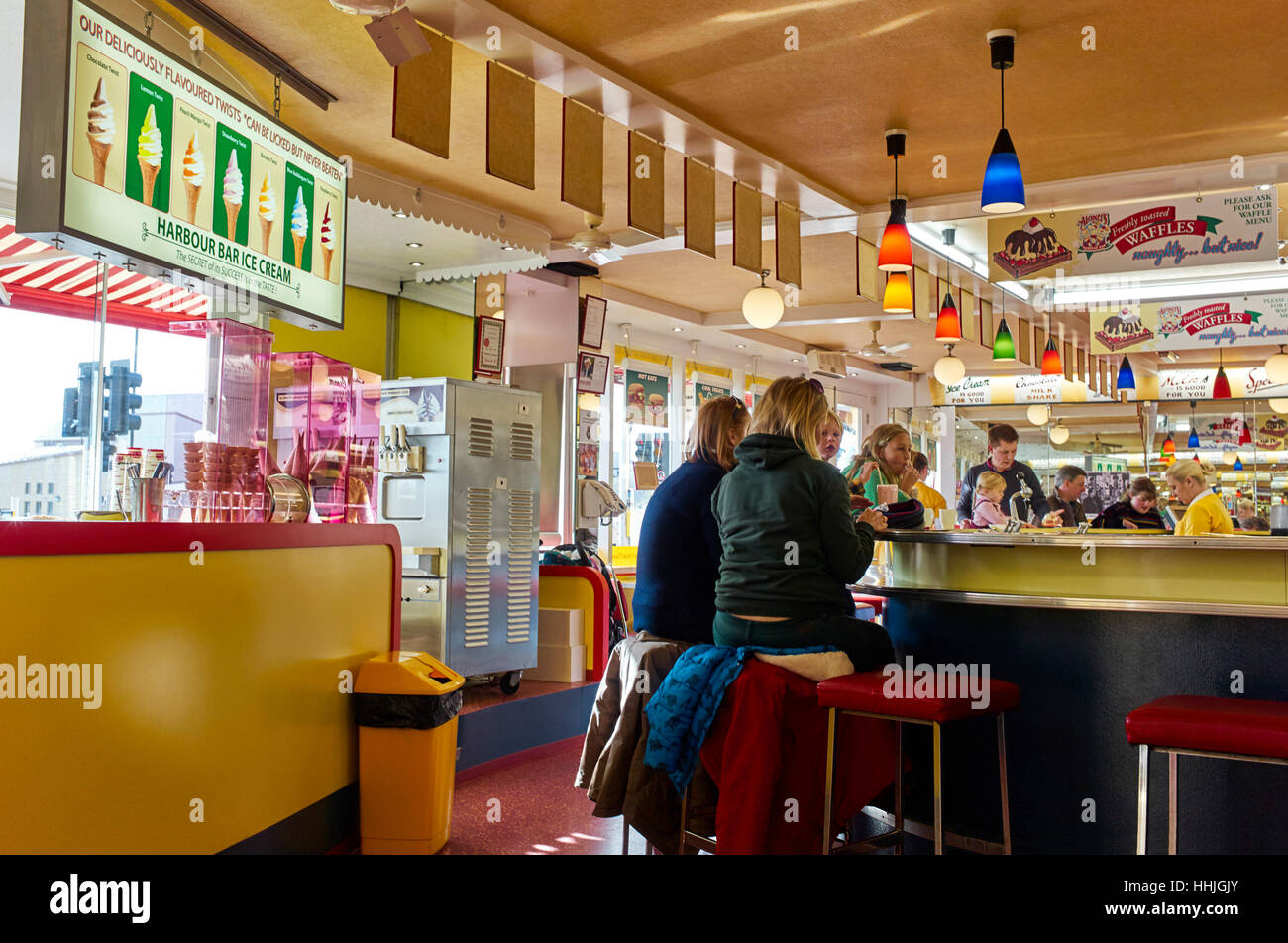 Harbour Bar in Scarborough - Stock Image
