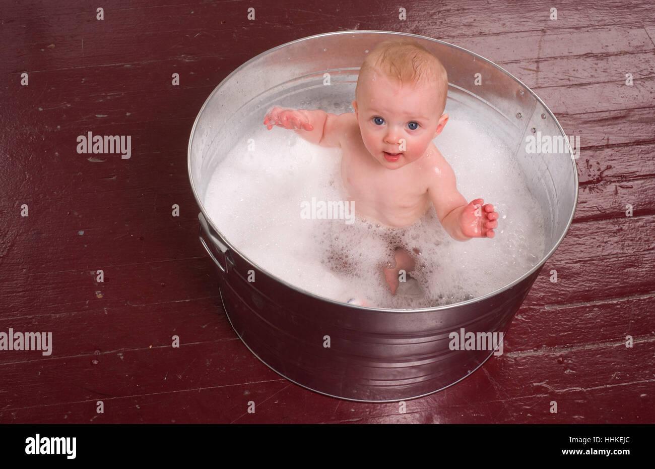 Baby Bucket Bathing Stock Photos & Baby Bucket Bathing Stock Images ...
