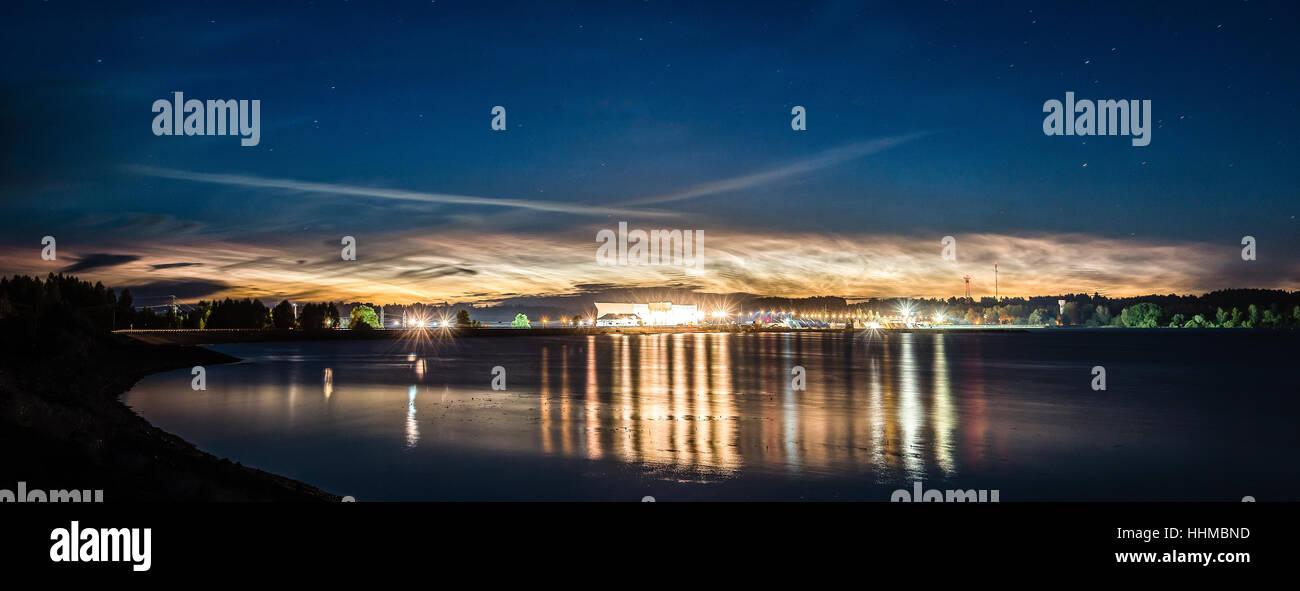 Night lights over power station - Stock Image