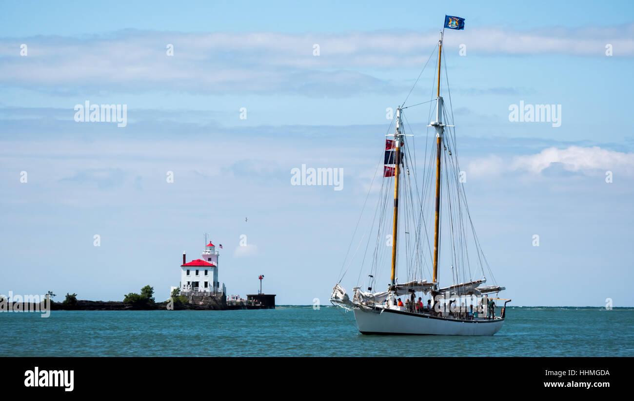 Sail boat on Lake Erie - Stock Image