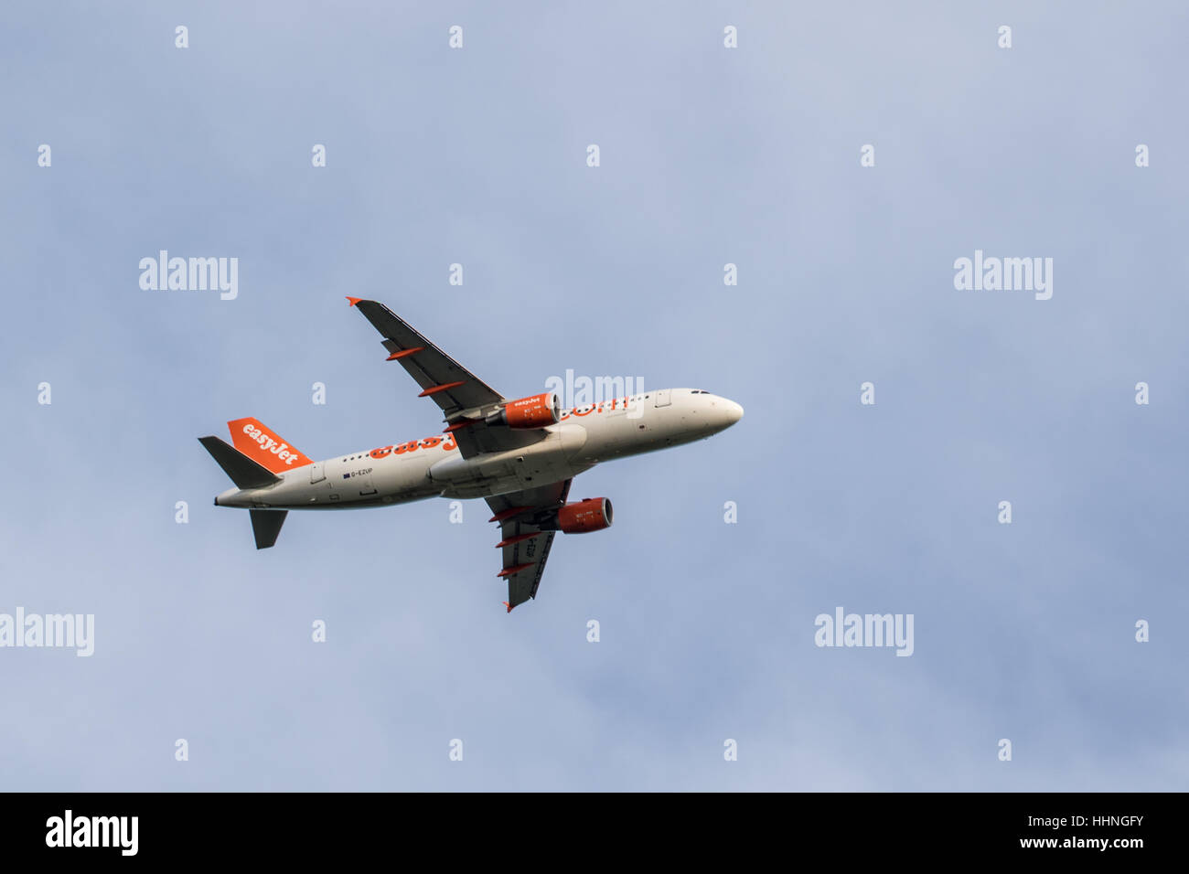 Easyjet Airbus g-ezup A320-214 in air near Gatwick - Stock Image