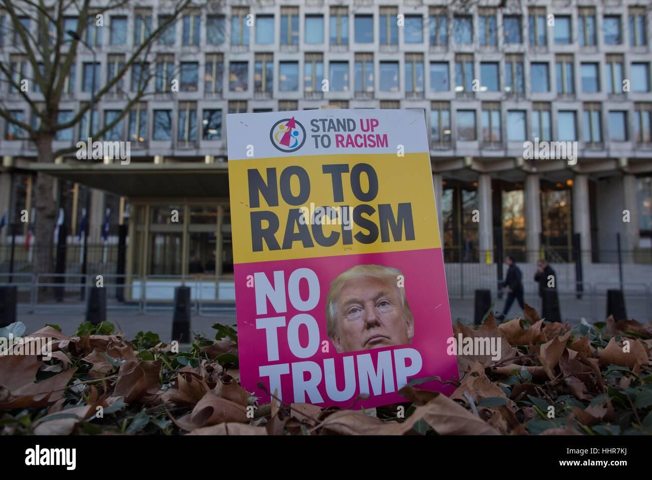 London, UK. 20th Jan, 2017. Anti-Trump Protest US Embassy, Grosvenor Square, London, UK. this evenings protest against - Stock Image