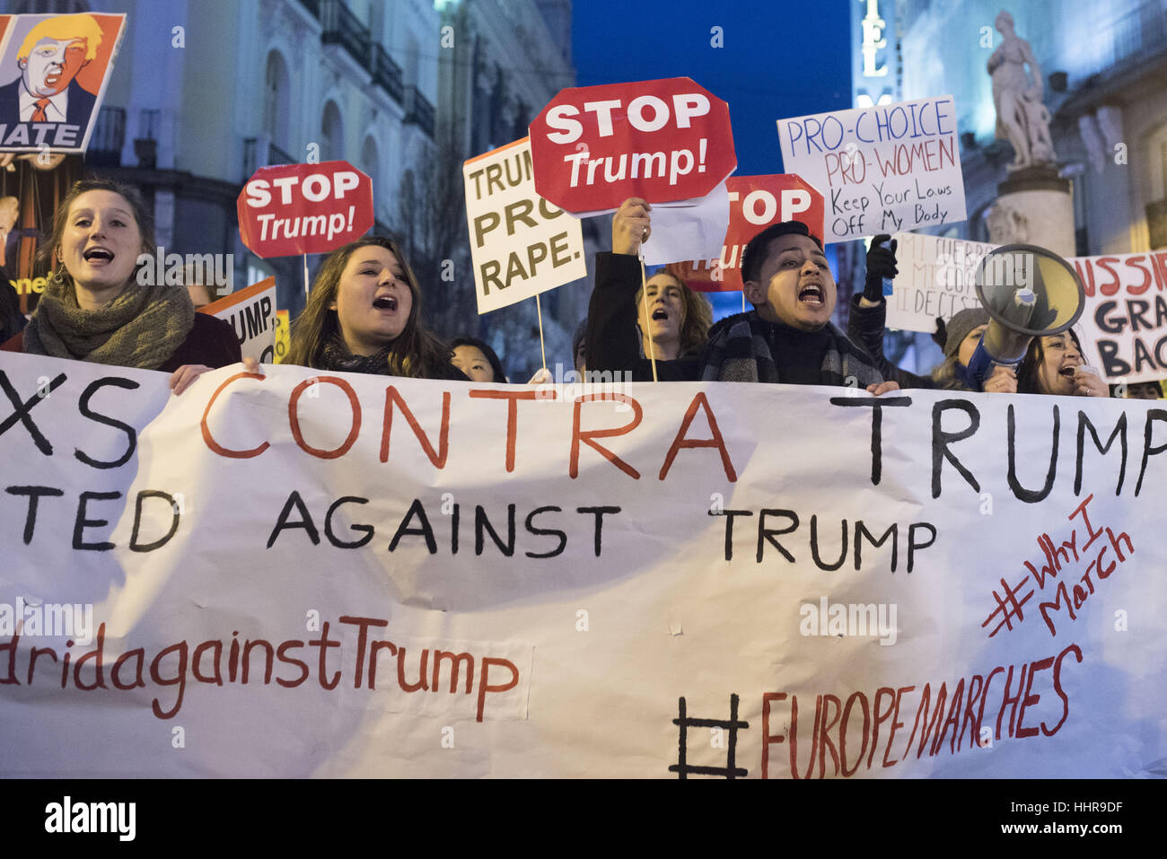 Madrid, Spain. 20th Jan, 2017. Americans and members of the international community march and rally in Madrid, Spain Stock Photo