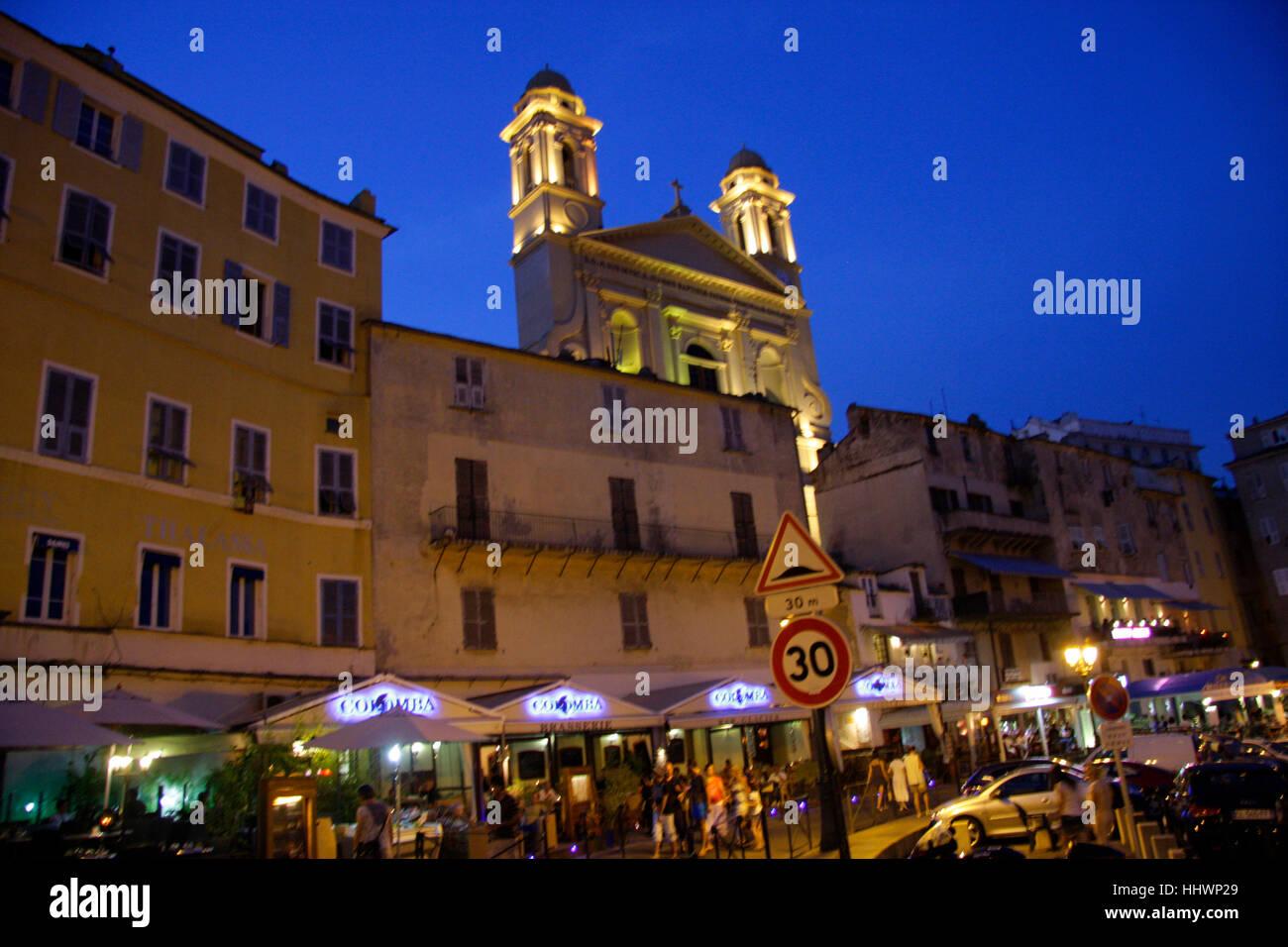 Impressionen: Paroisse Saint Jean-Baptiste, Abendstimmung, Bastia, Kosika, Frankreich. - Stock Image