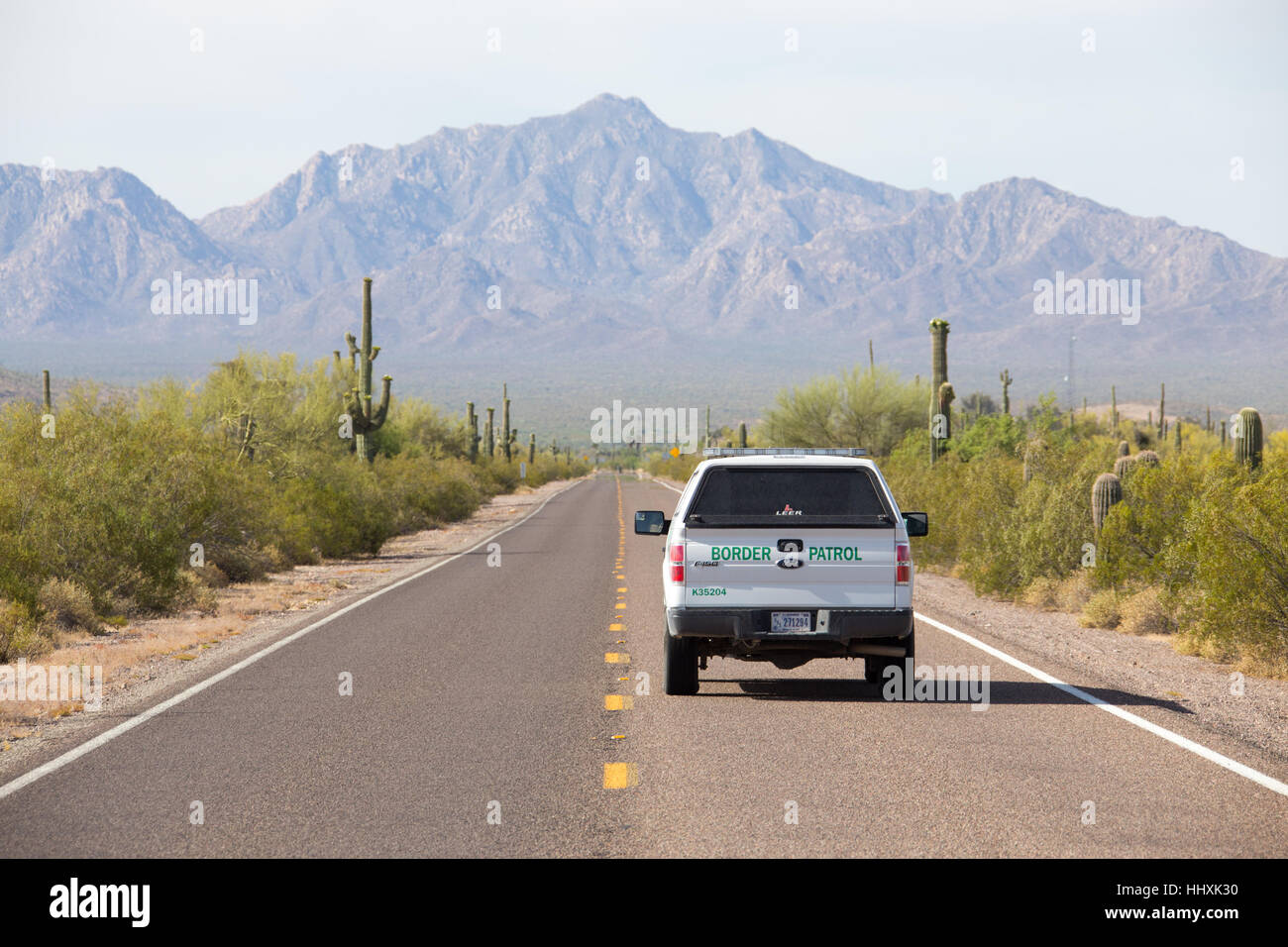 American Border Patrol on the N Ajo Sonoita Highwaynear the Lukeville, Arizona, USA and Sonoyta, Mexico border Crossing - Stock Image