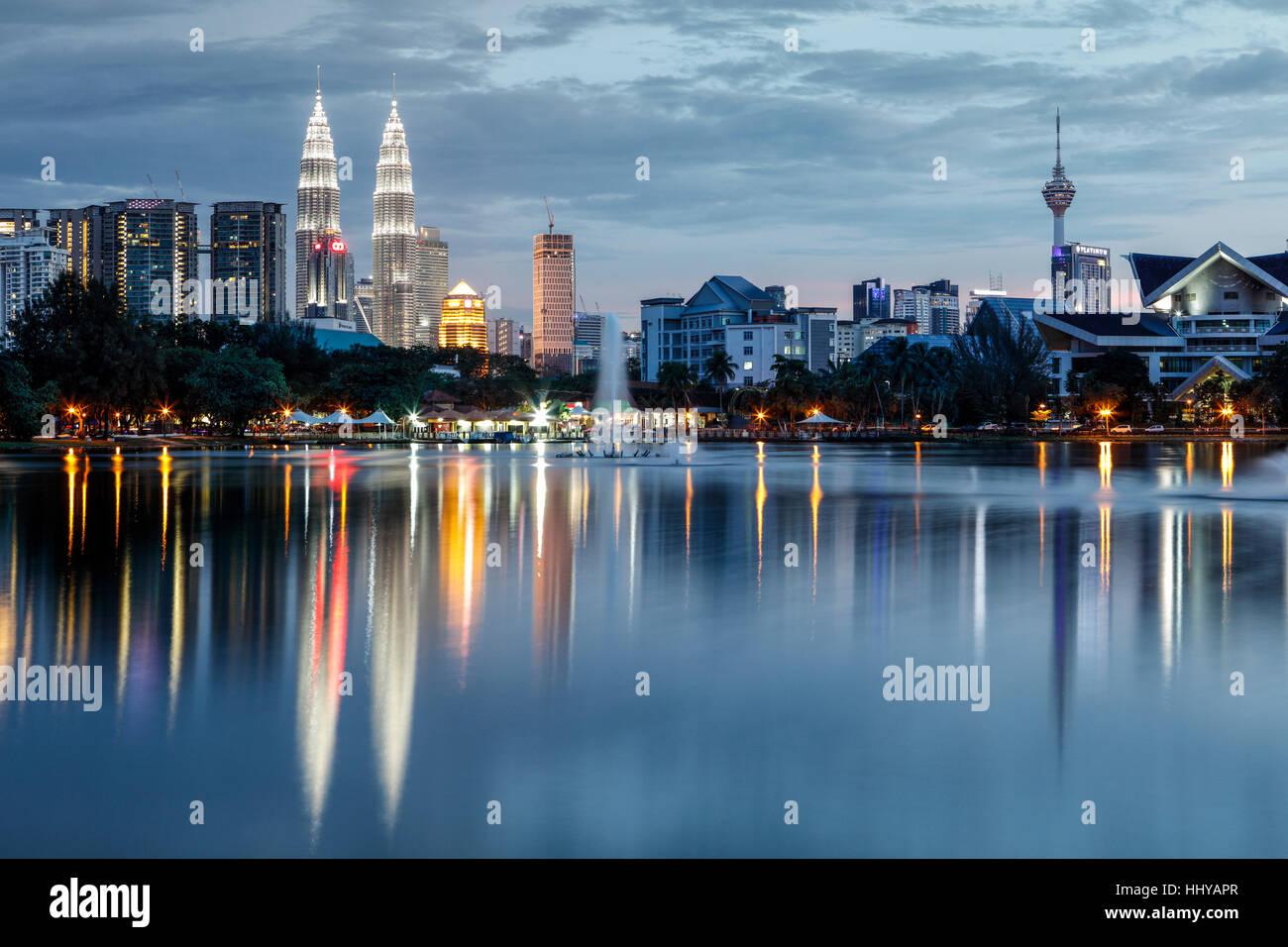 The Kuala Lumpur skyline at dusk. - Stock Image