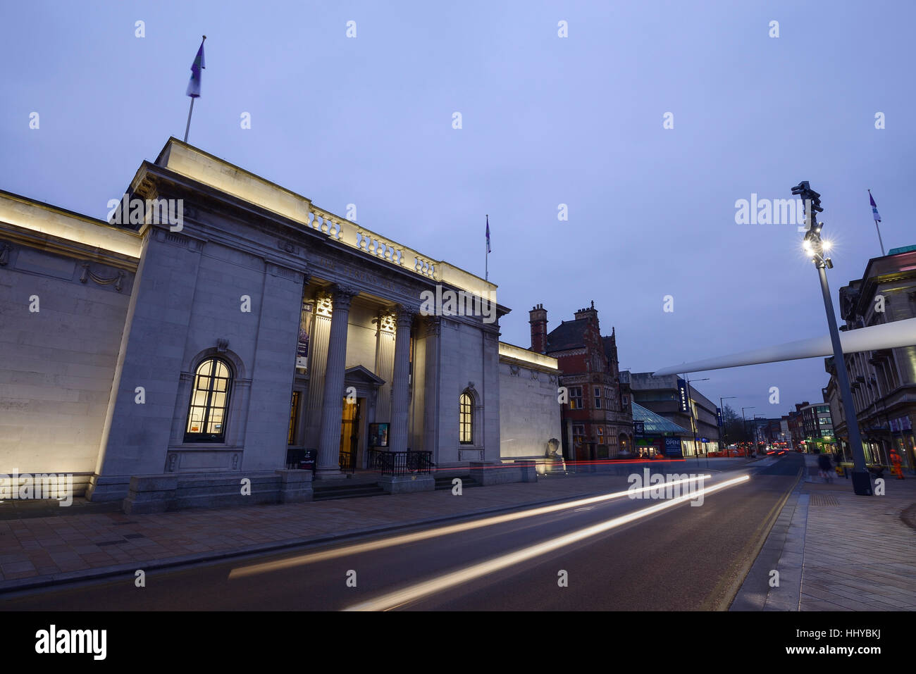 The City Hall building and the Rotor Blade artwork installed for Hull City of Culture 2017 - Stock Image