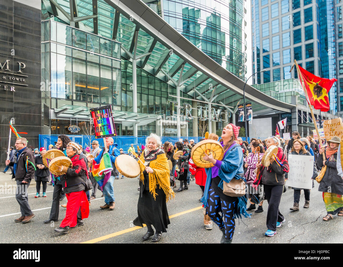 Vancouver, Canada. 21st Jan, 2017. Vancouver Womens March in front of the Trump Tower, Vancouver, British Columbia, - Stock Image