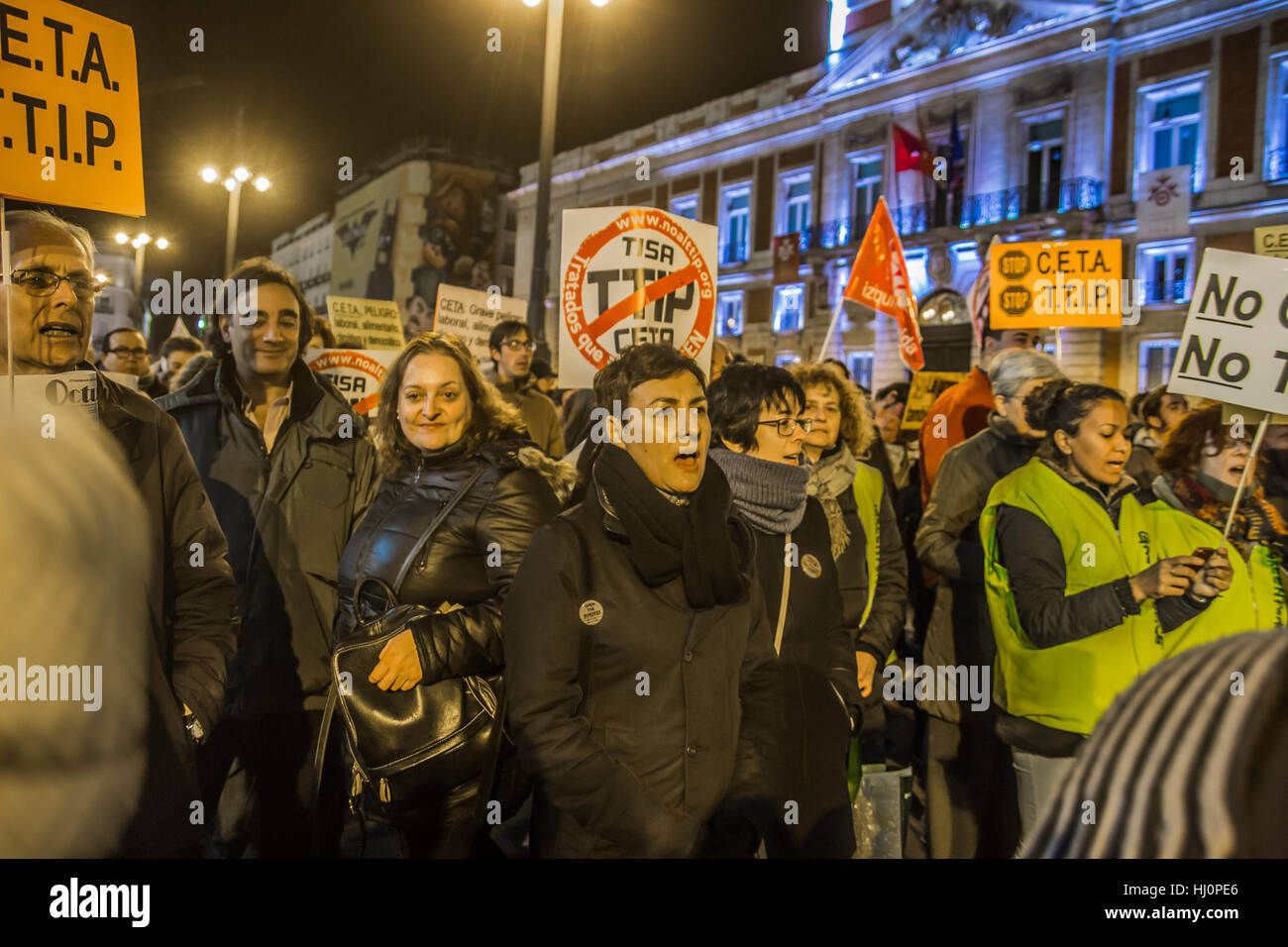 Madrid, Spain. 21st Jan, 2017. Demonstration of dignity march  in puerta del sol, The dignities march are social - Stock Image
