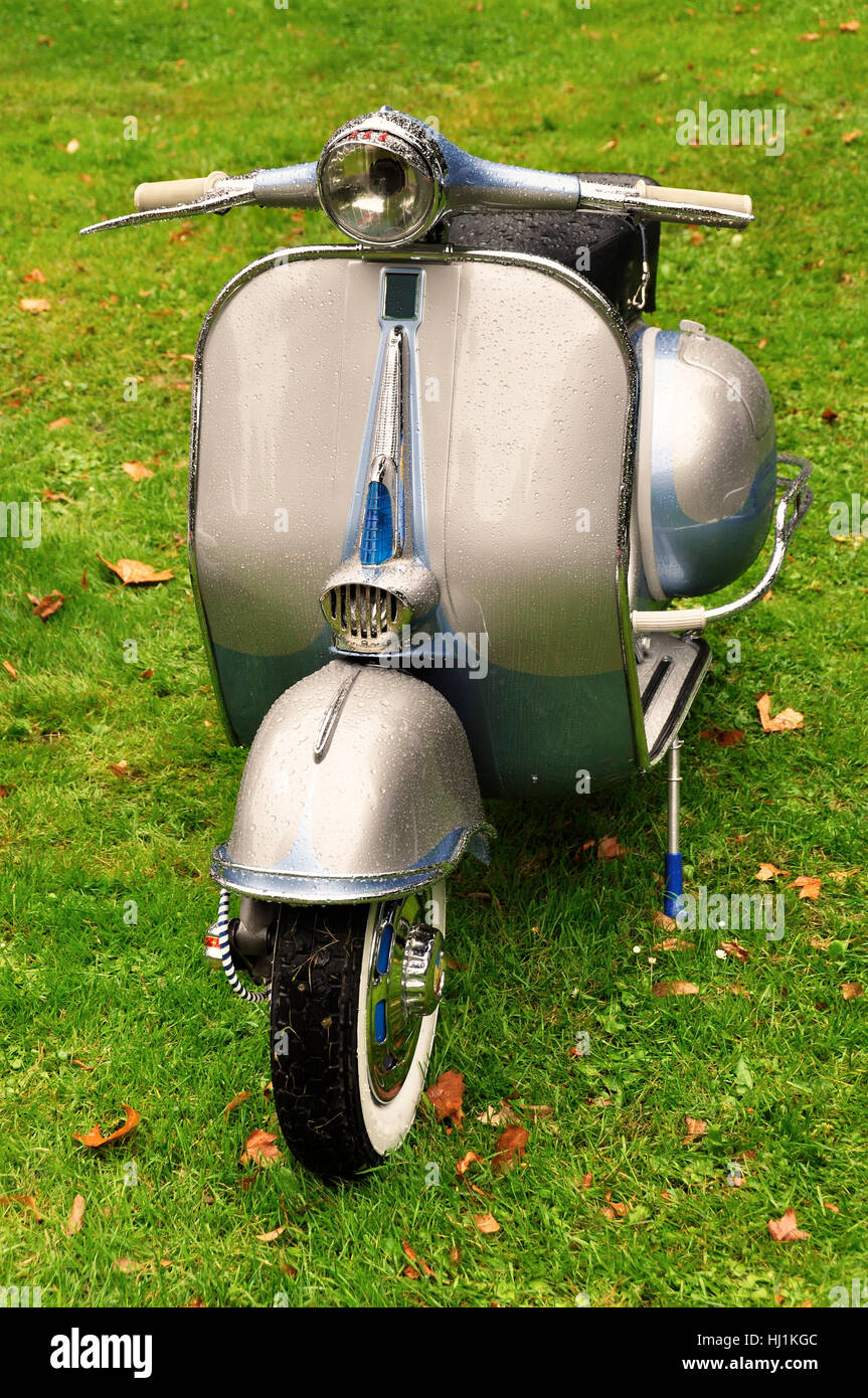Engine Drive Motor Vintage Scooter Retro Old Motorcycle Stock Photo Alamy