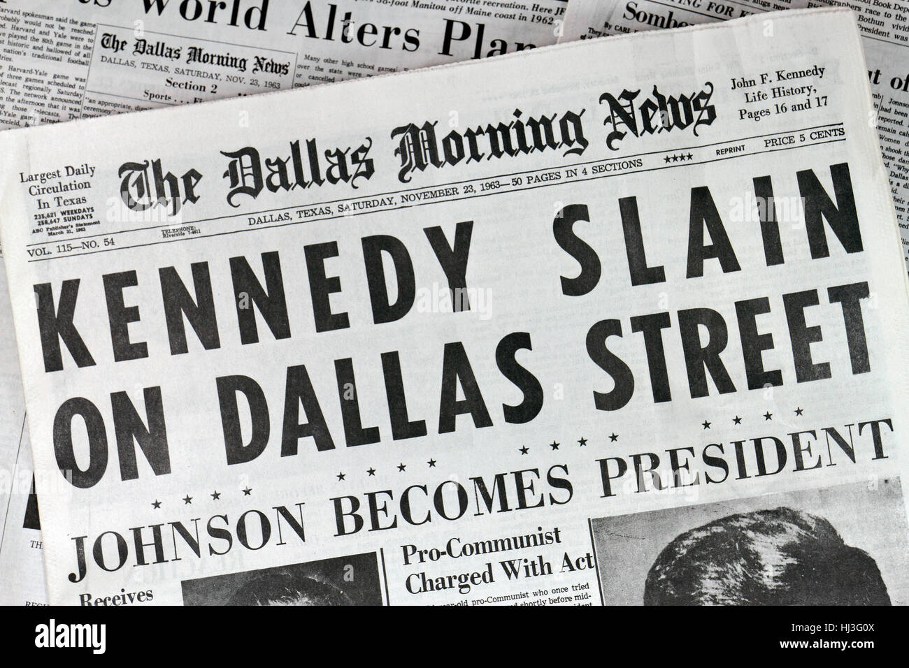 Front page of the Dallas Morning News (replica copy) on 23rd November 1963 reporting the news of the assassination - Stock Image