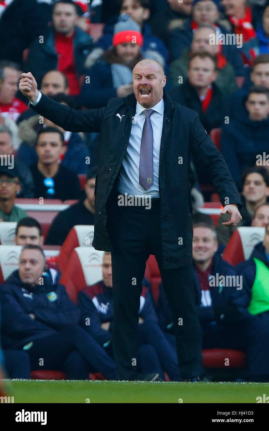 Burnley Manager Sean Dyche during the Premier League match between Arsenal and Burnley at the Emirates Stadium in Stock Photo