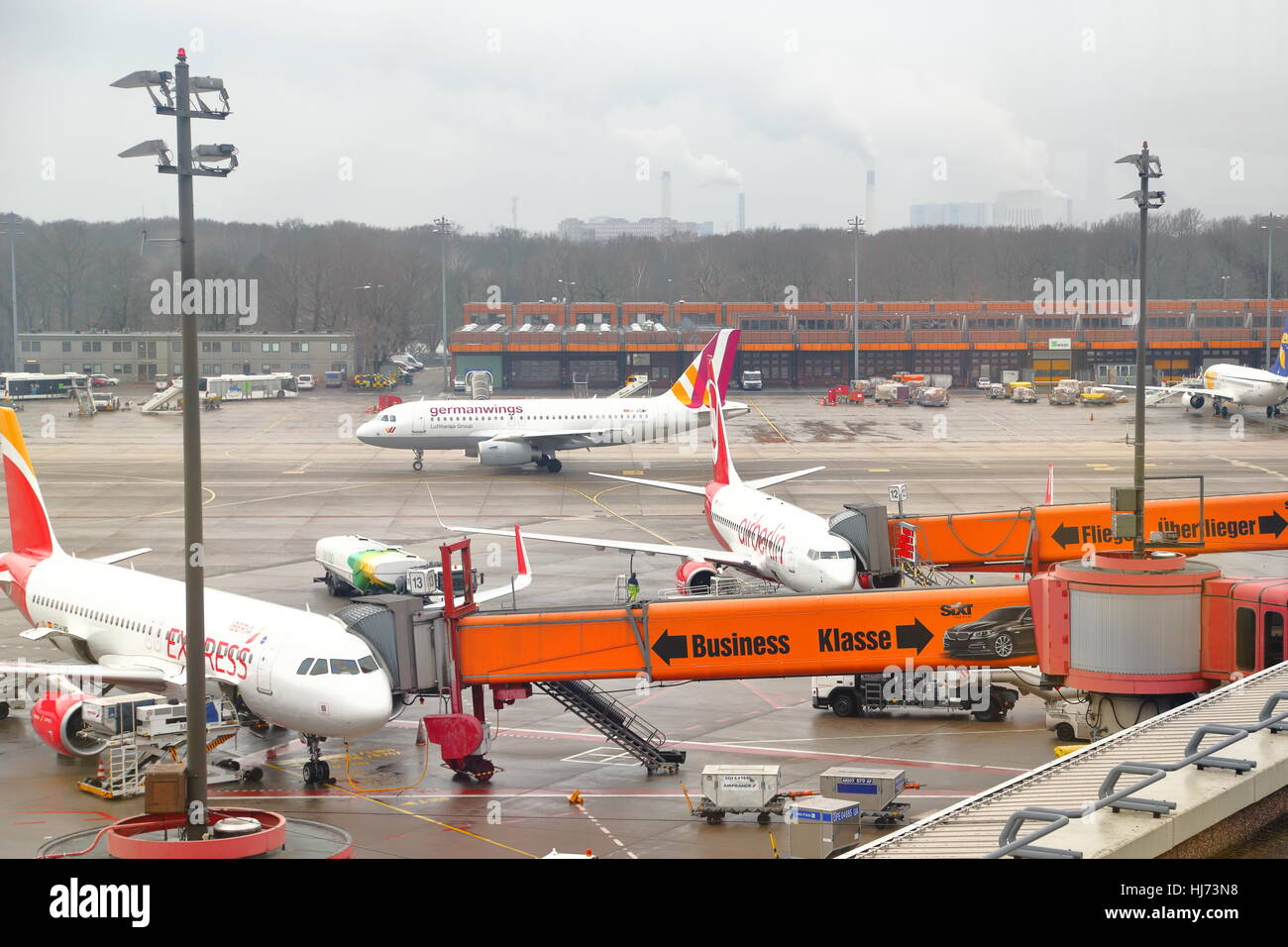 how to get from tegel airport to berlin