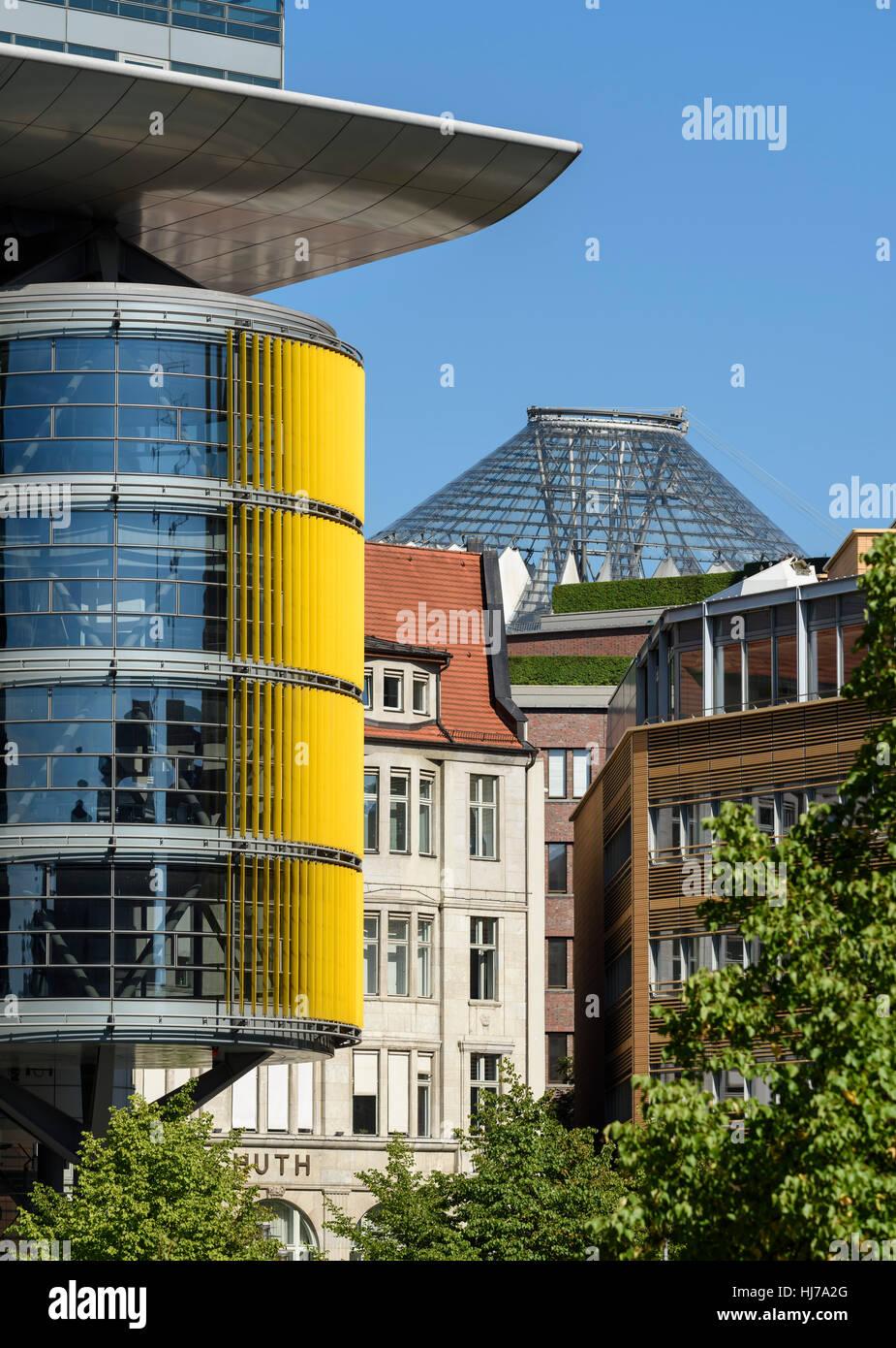 Berlin. Germany. Haus Huth (1912), on Fontaneplatz, Linkstraße, dwarfed by high tech modern architecture, Potsdamer Stock Photo